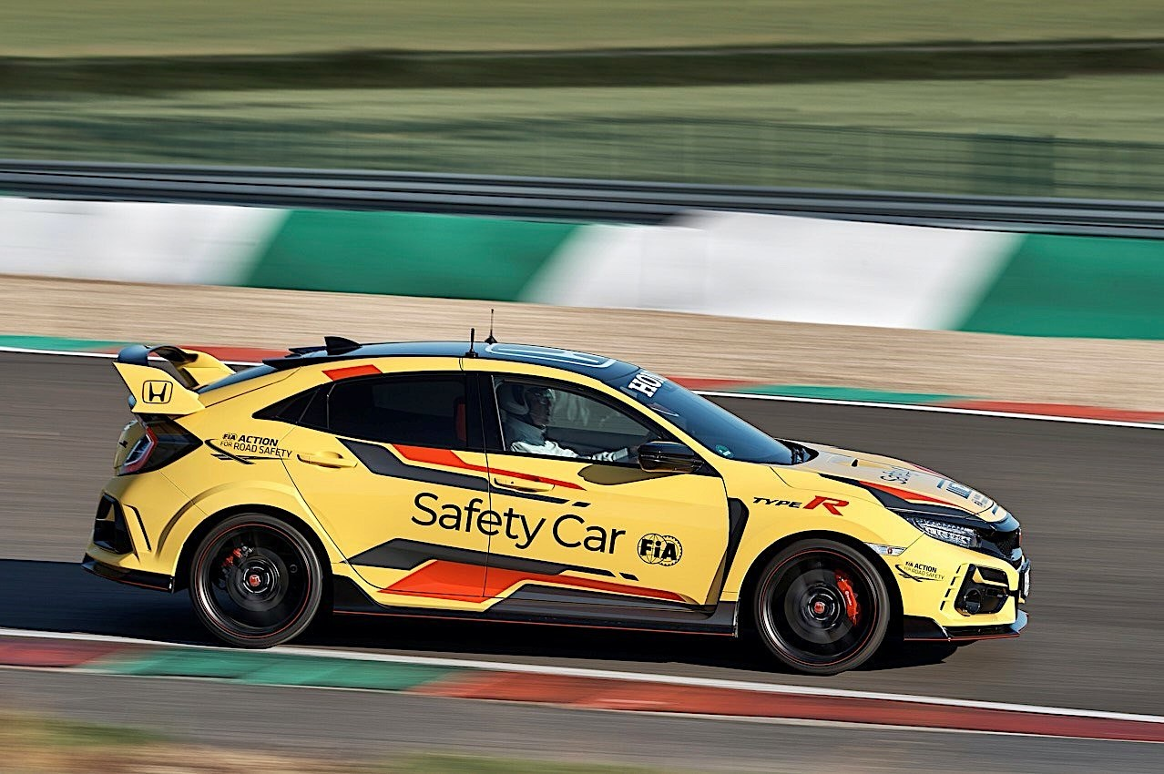 Honda_Civic_Type_R_Limited_safety_car_WTCR_0001