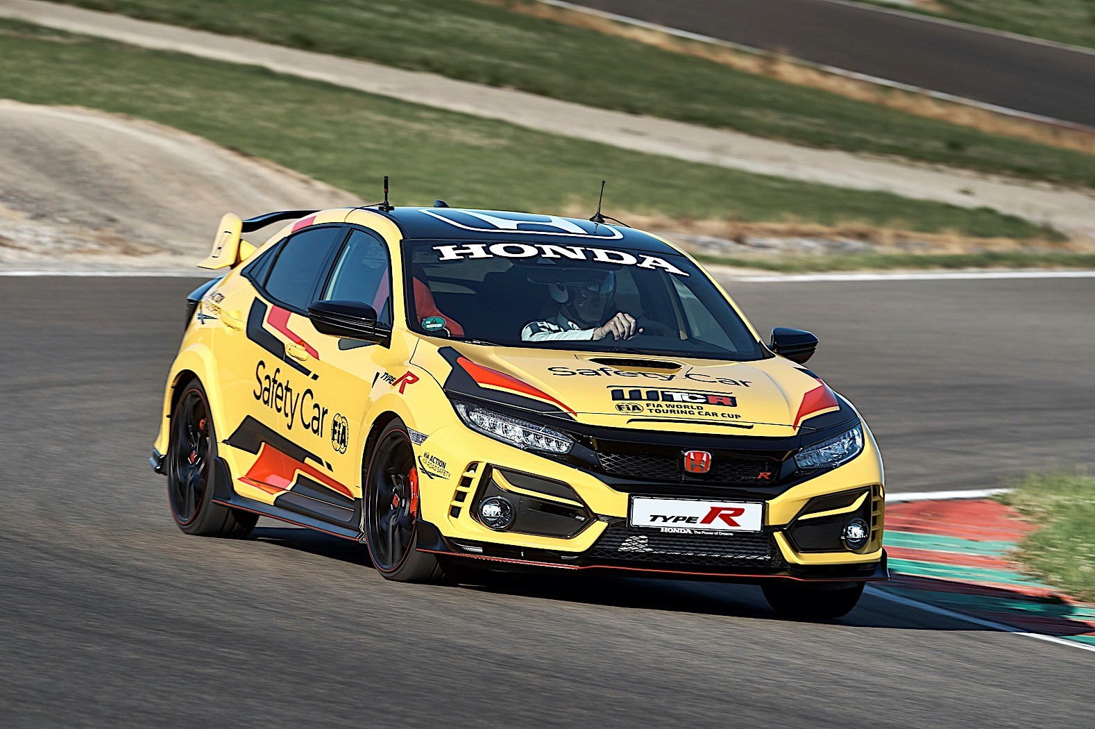 Honda_Civic_Type_R_Limited_safety_car_WTCR_0002