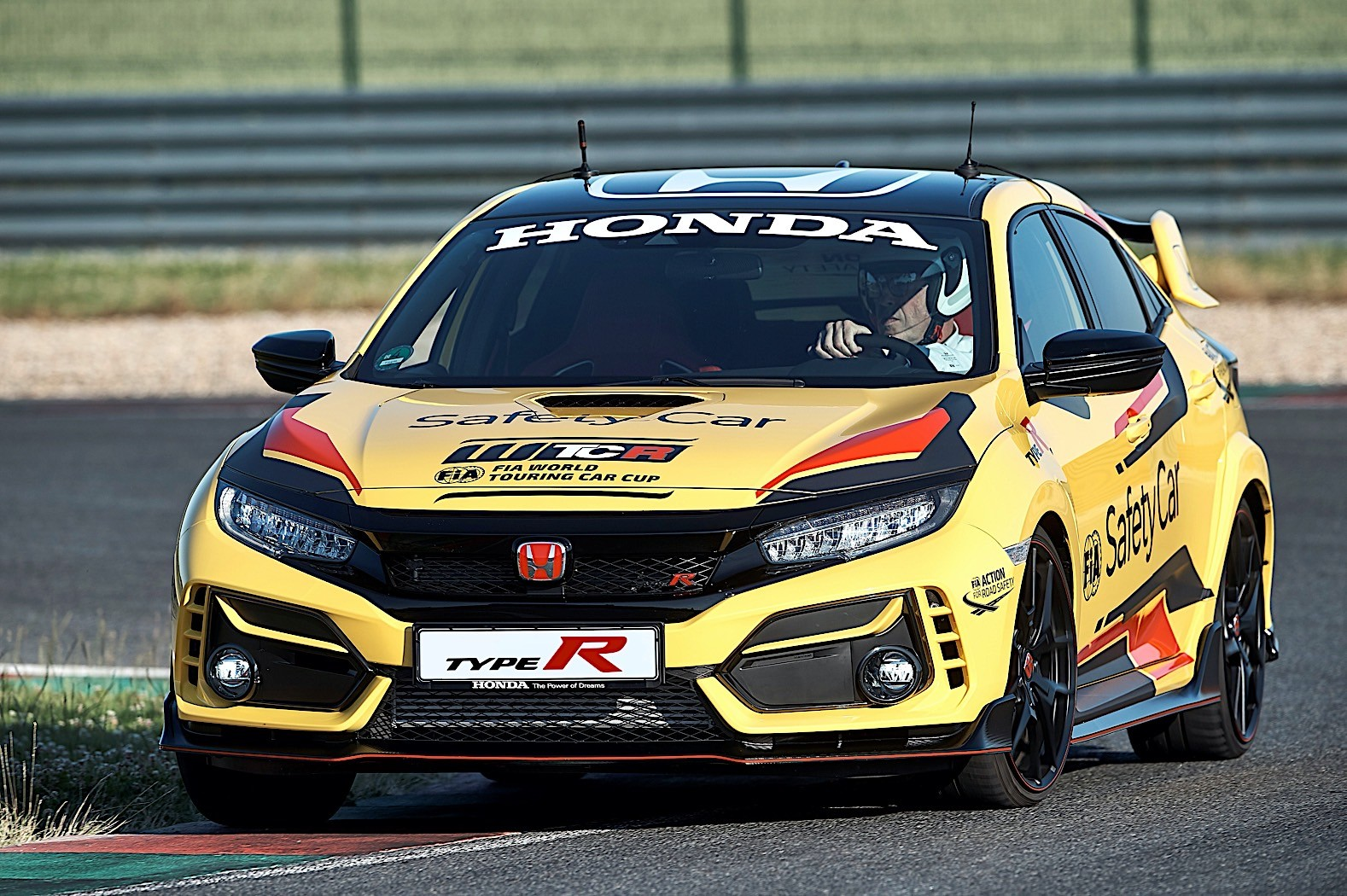 Honda_Civic_Type_R_Limited_safety_car_WTCR_0006