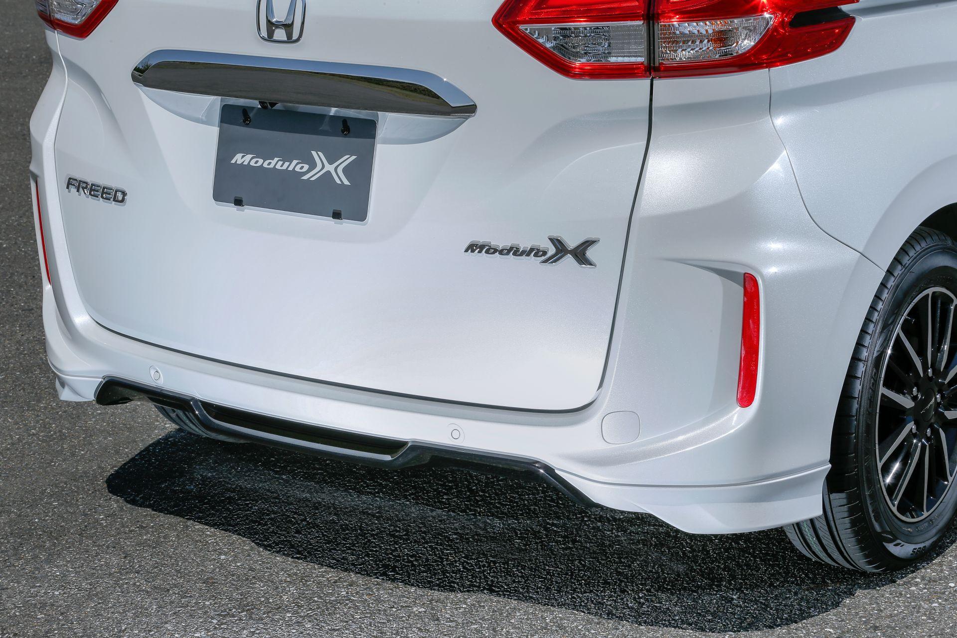 Honda-Freed-Modulo-X-Facelift-2020-23
