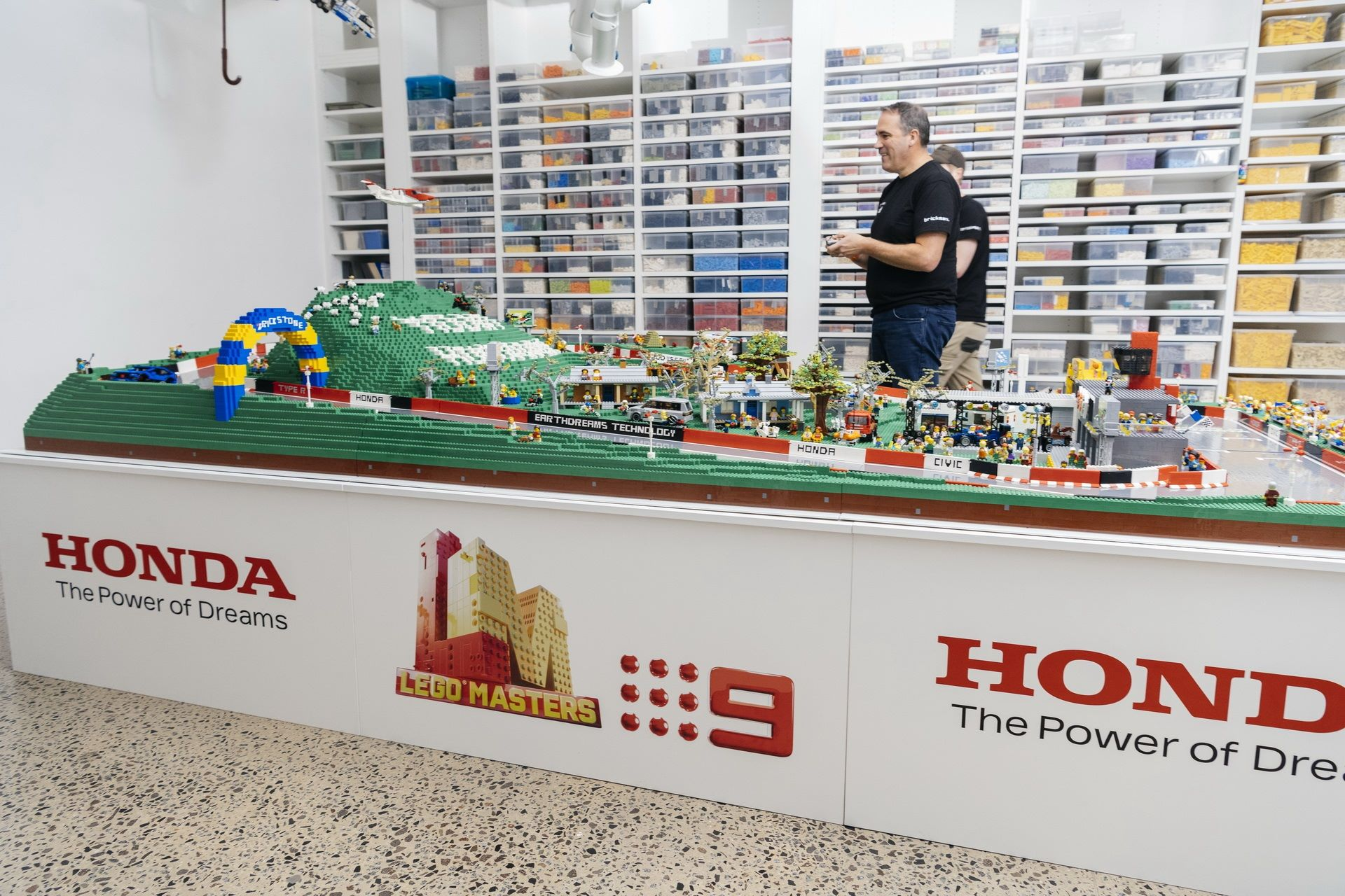 Honda-mount-panorama-bathurst-australia-lego-1