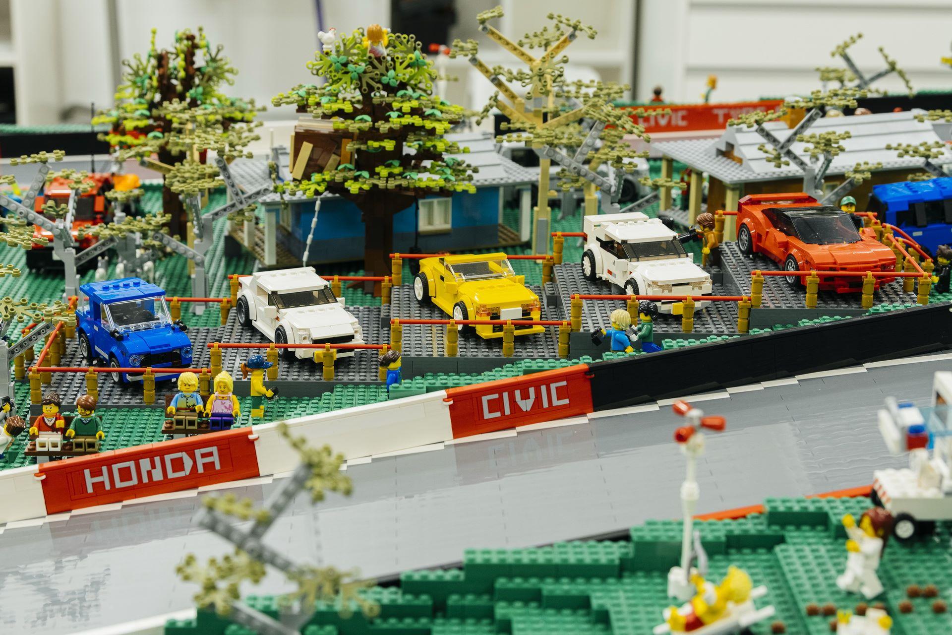 Honda-mount-panorama-bathurst-australia-lego-3