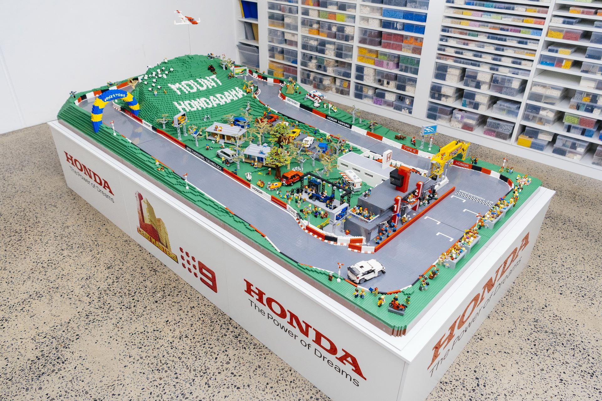 Honda-mount-panorama-bathurst-australia-lego-4