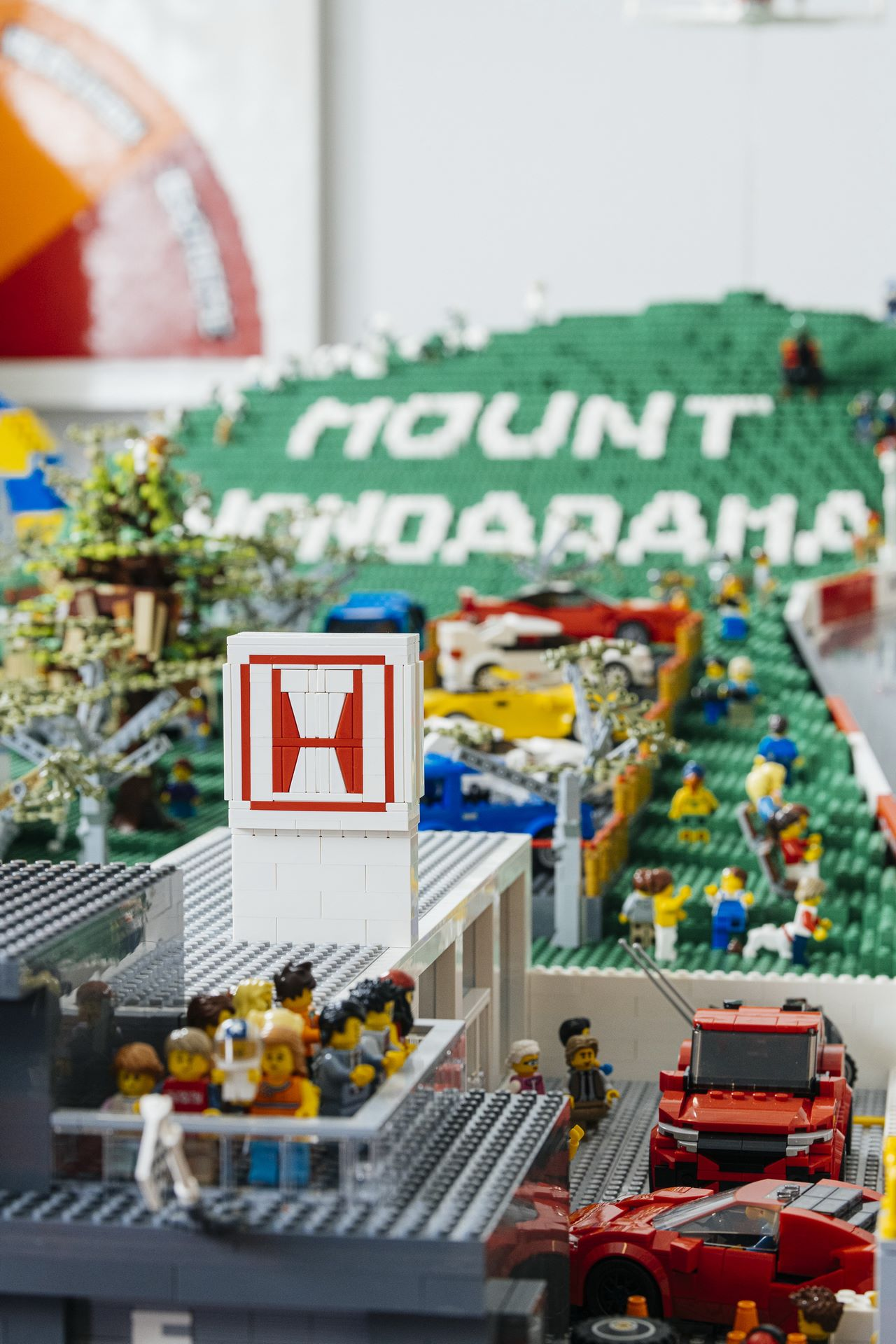 Honda-mount-panorama-bathurst-australia-lego-6
