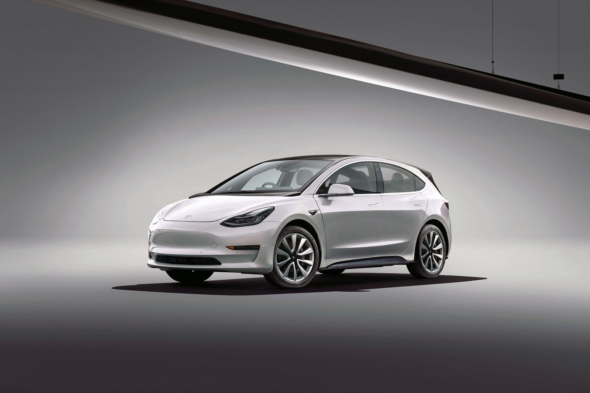 Tesla-Model-H-hatchback-1