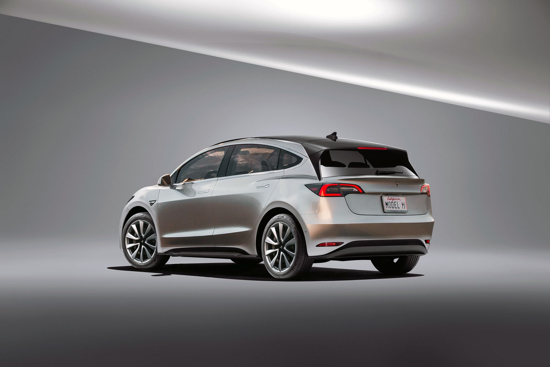 Tesla-Model-H-hatchback-2