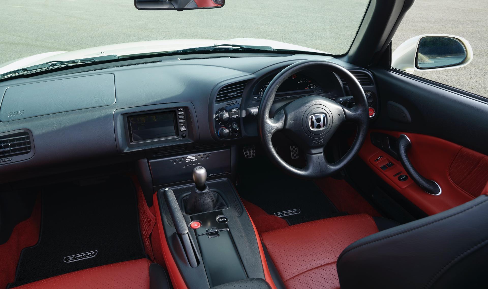 Honda-S2000-20th-Anniversary-genuine-accessories-9