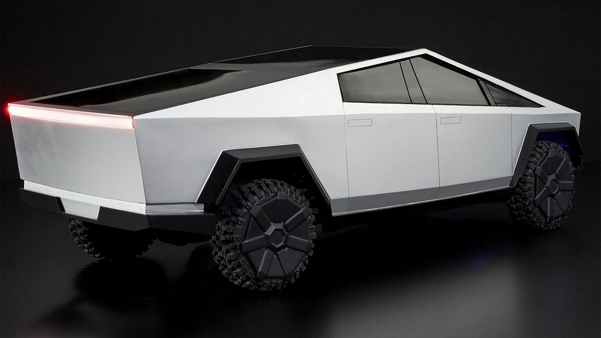 Hot-Wheels-RC-Tesla-Cybertruck-12