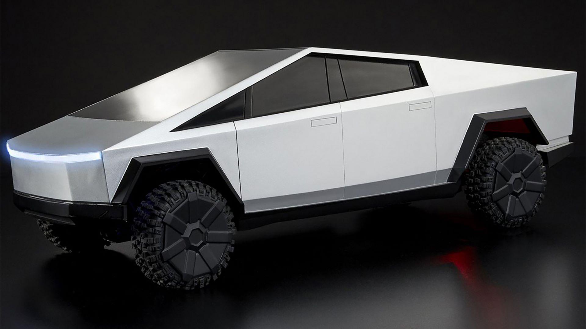 Hot-Wheels-RC-Tesla-Cybertruck-13
