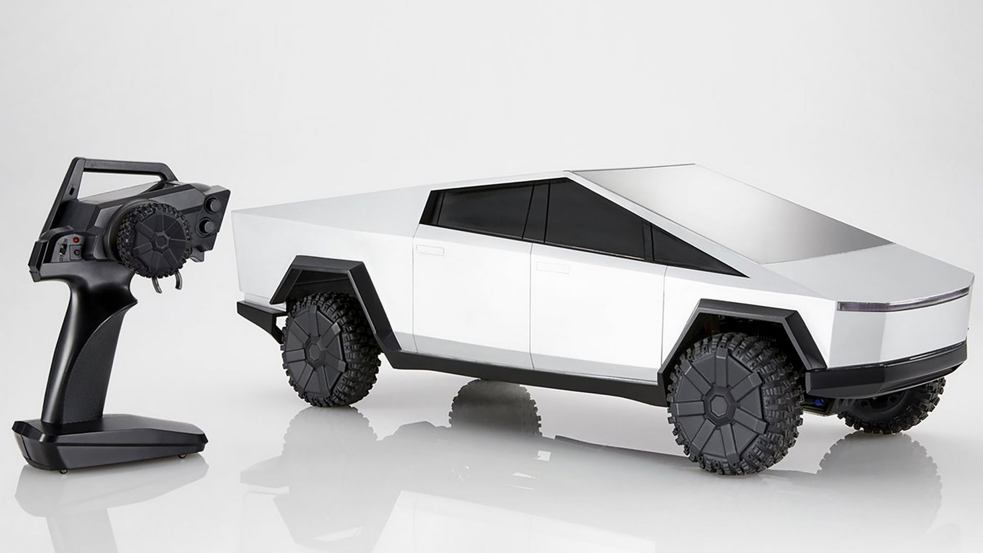 Hot-Wheels-RC-Tesla-Cybertruck-16