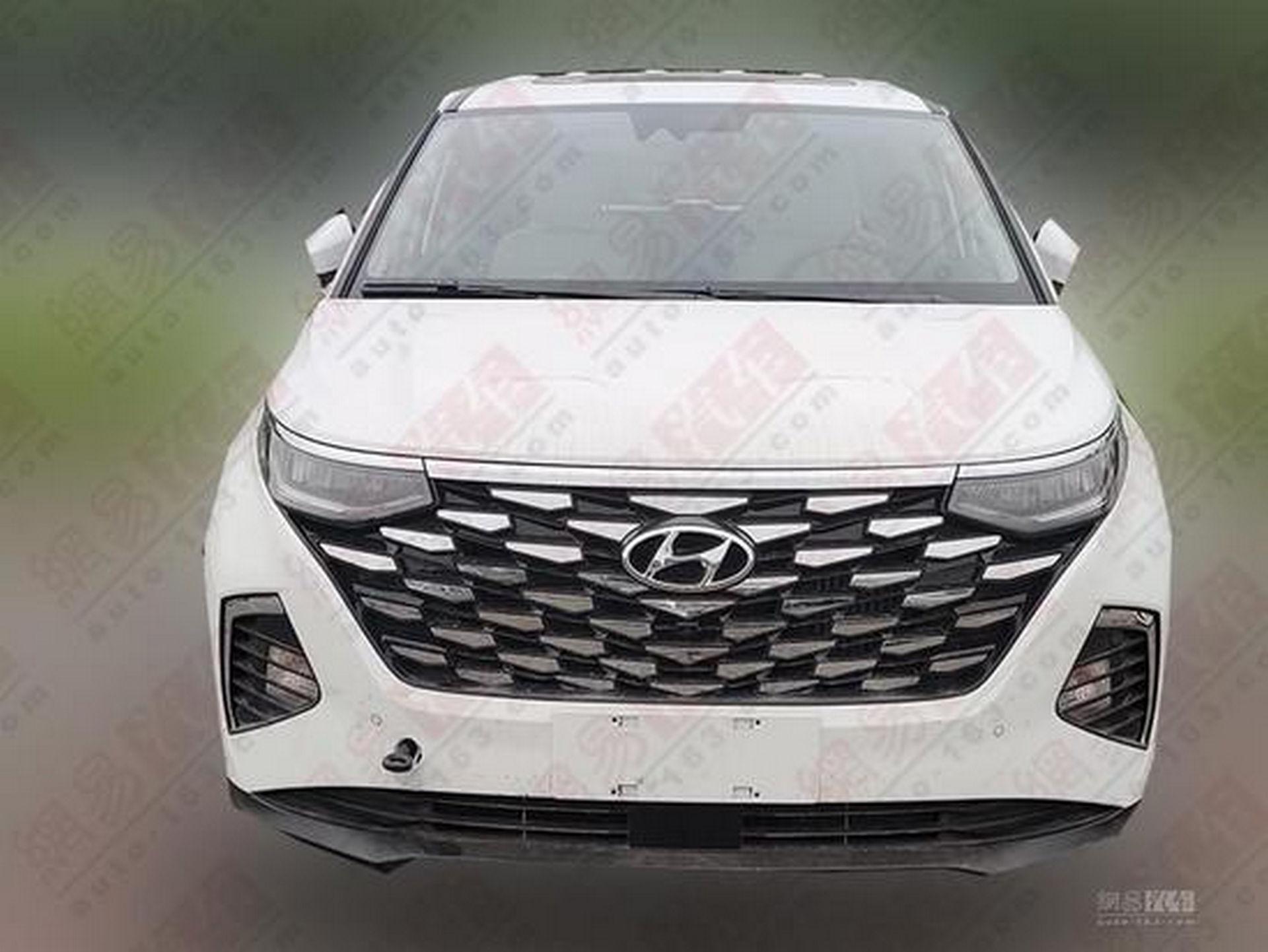 Hyundai_Custo_leaked_0005