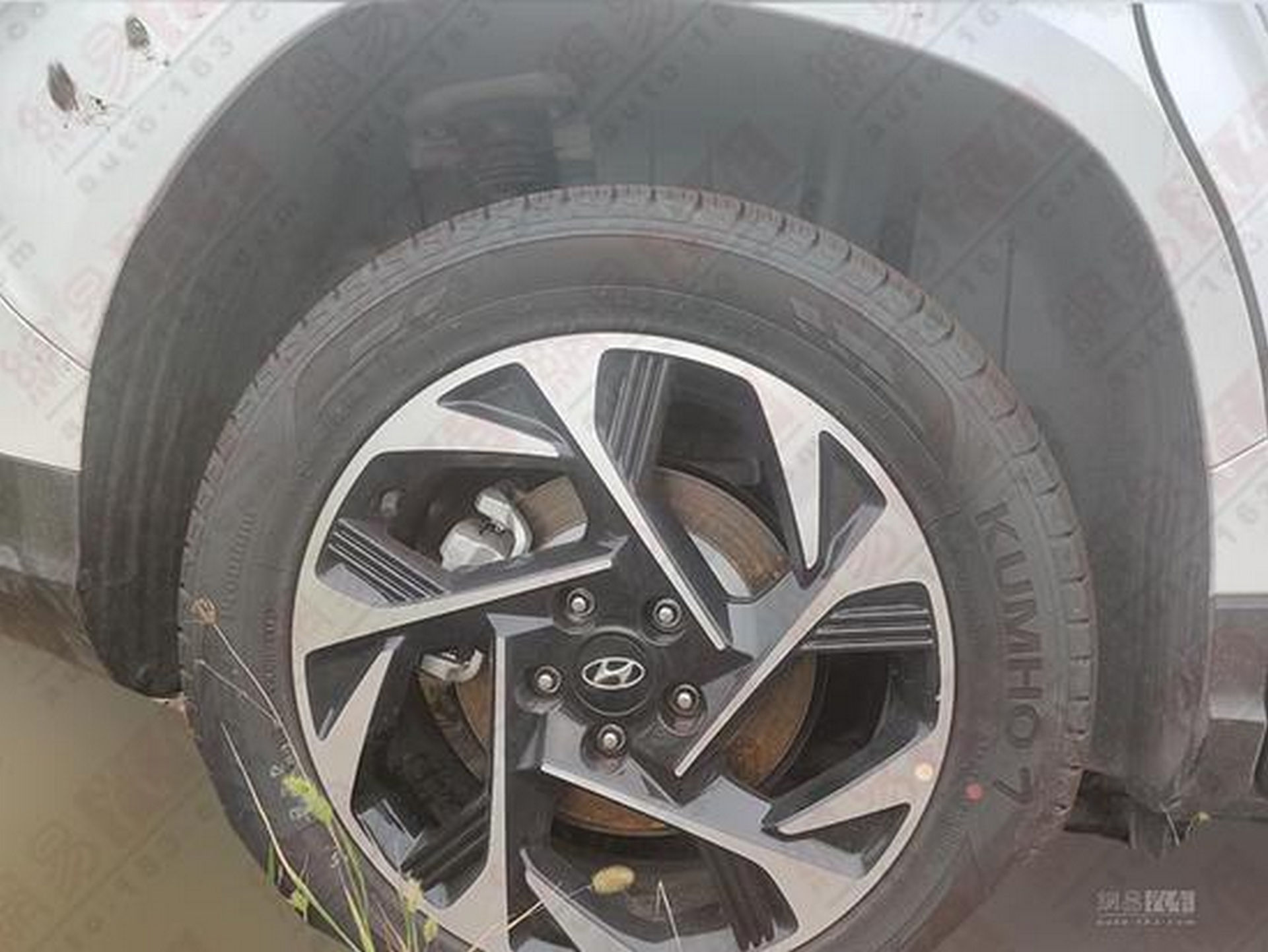 Hyundai_Custo_leaked_0008