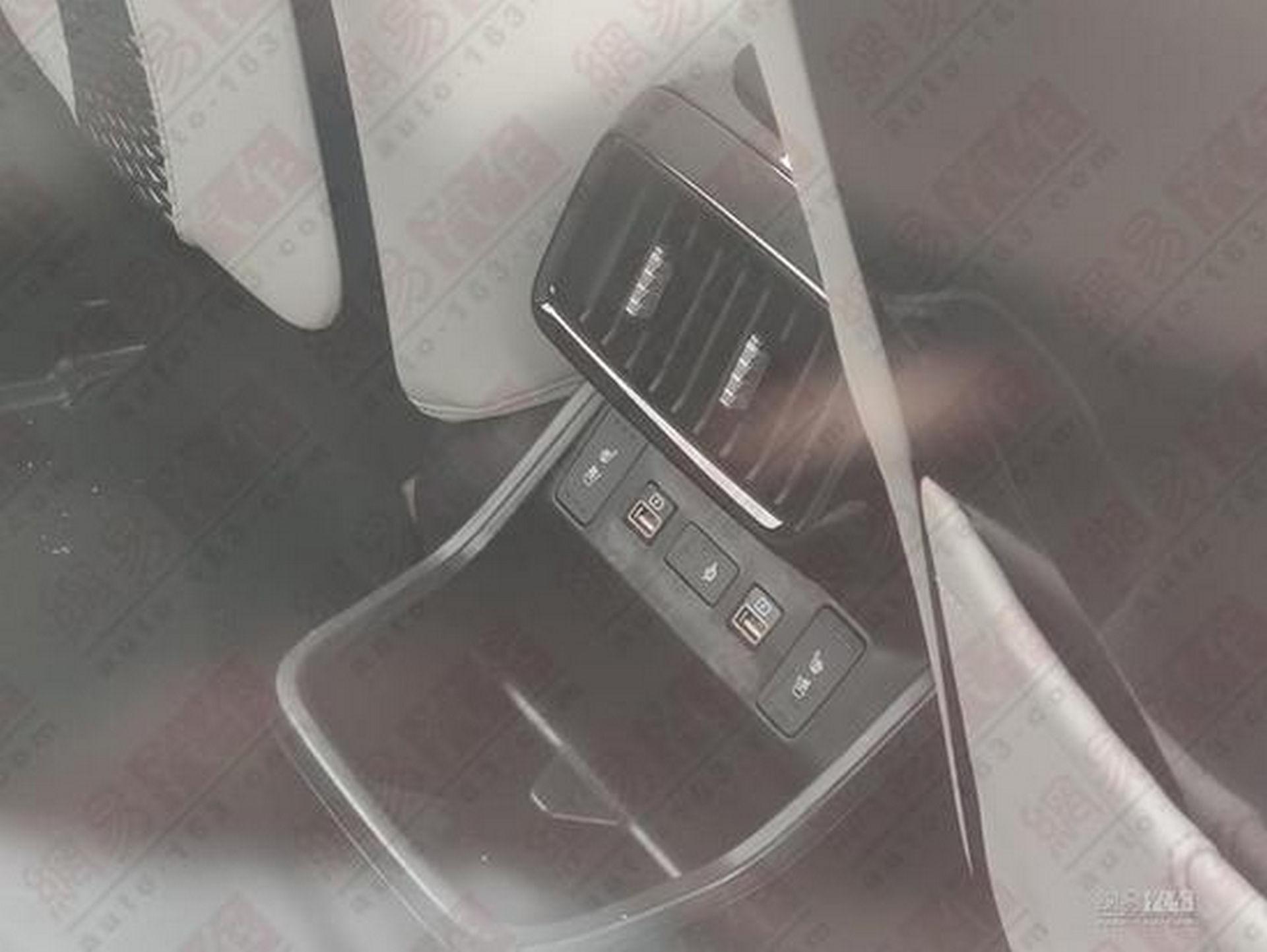 Hyundai_Custo_leaked_0013