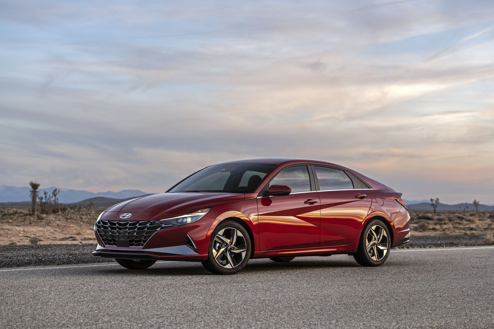 Hyundai-Elantra-2021-1
