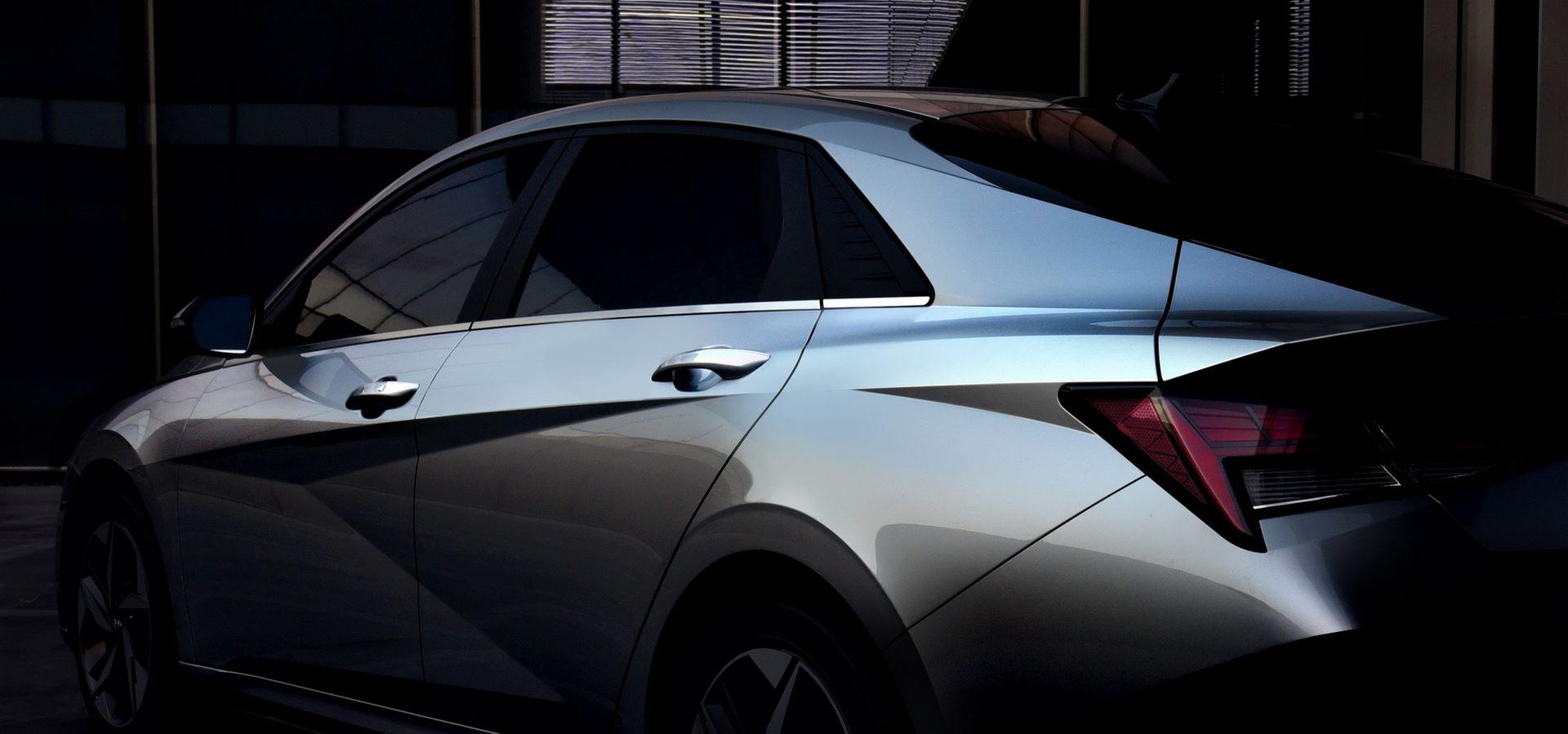 Hyundai-Elantra-2021-17