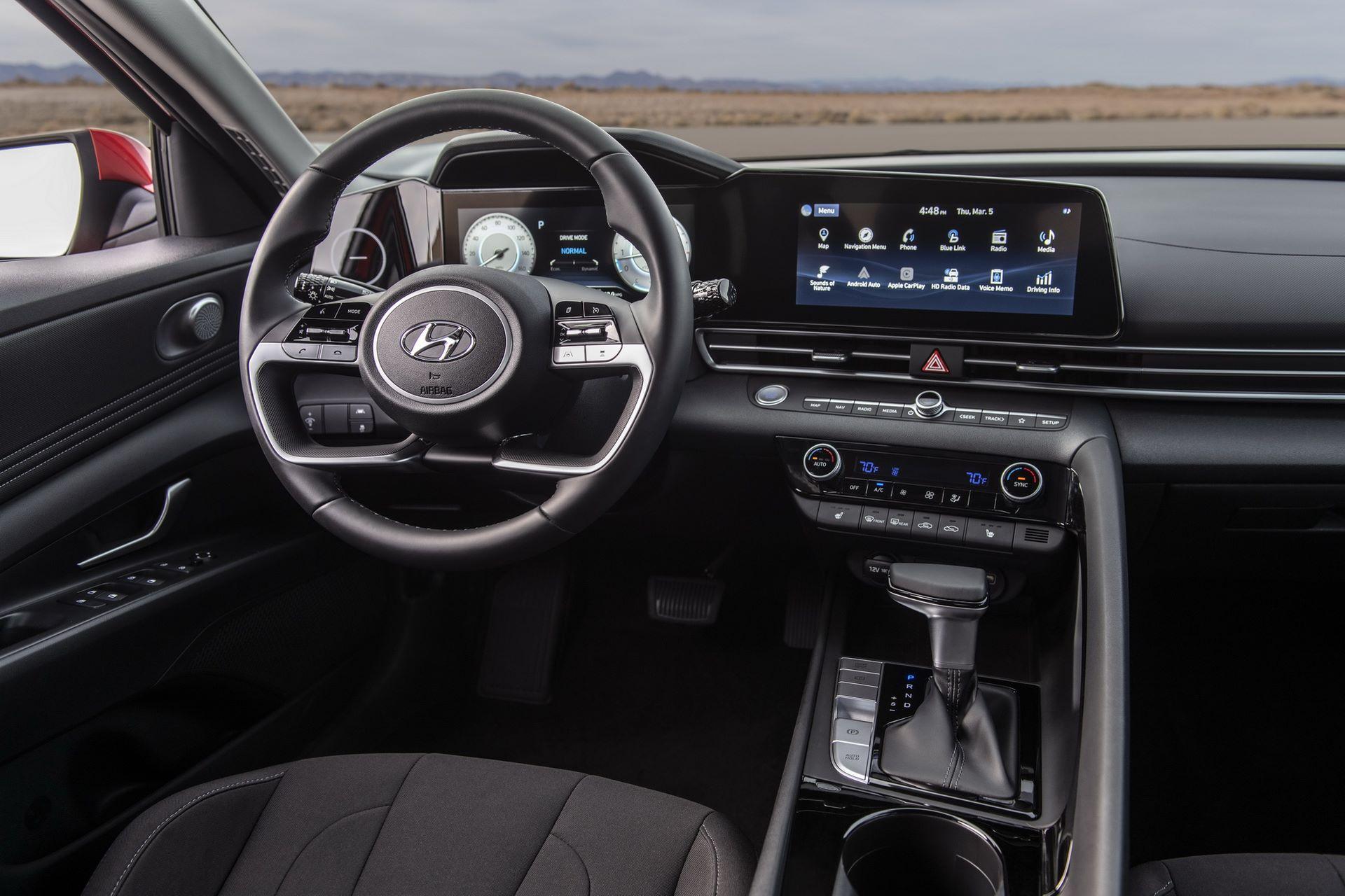 Hyundai-Elantra-2021-19