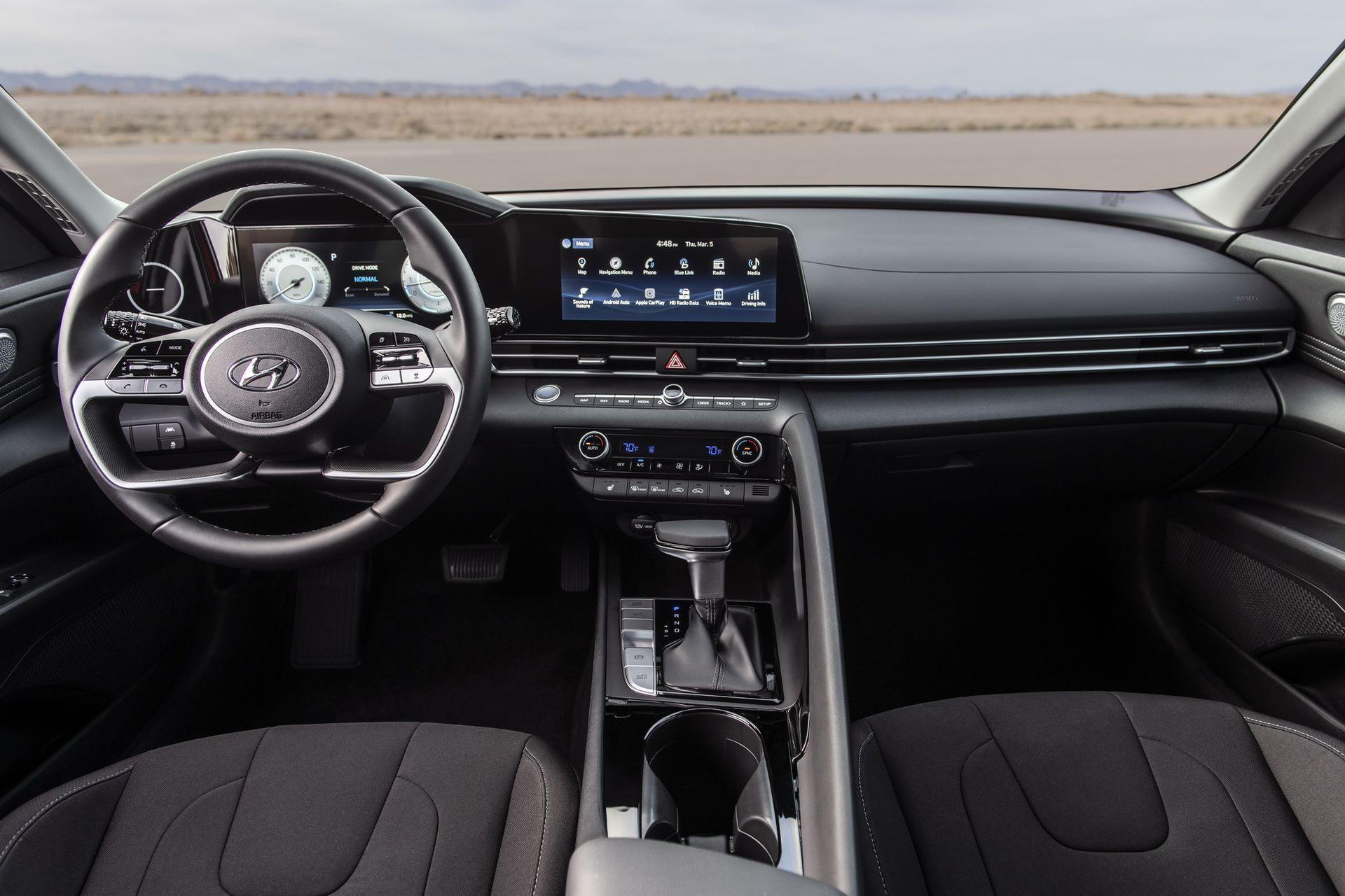 Hyundai-Elantra-2021-20