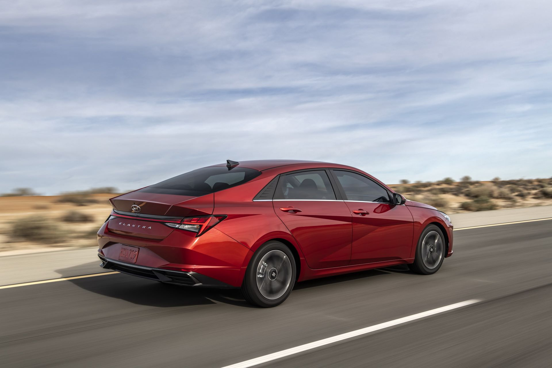 Hyundai-Elantra-2021-3