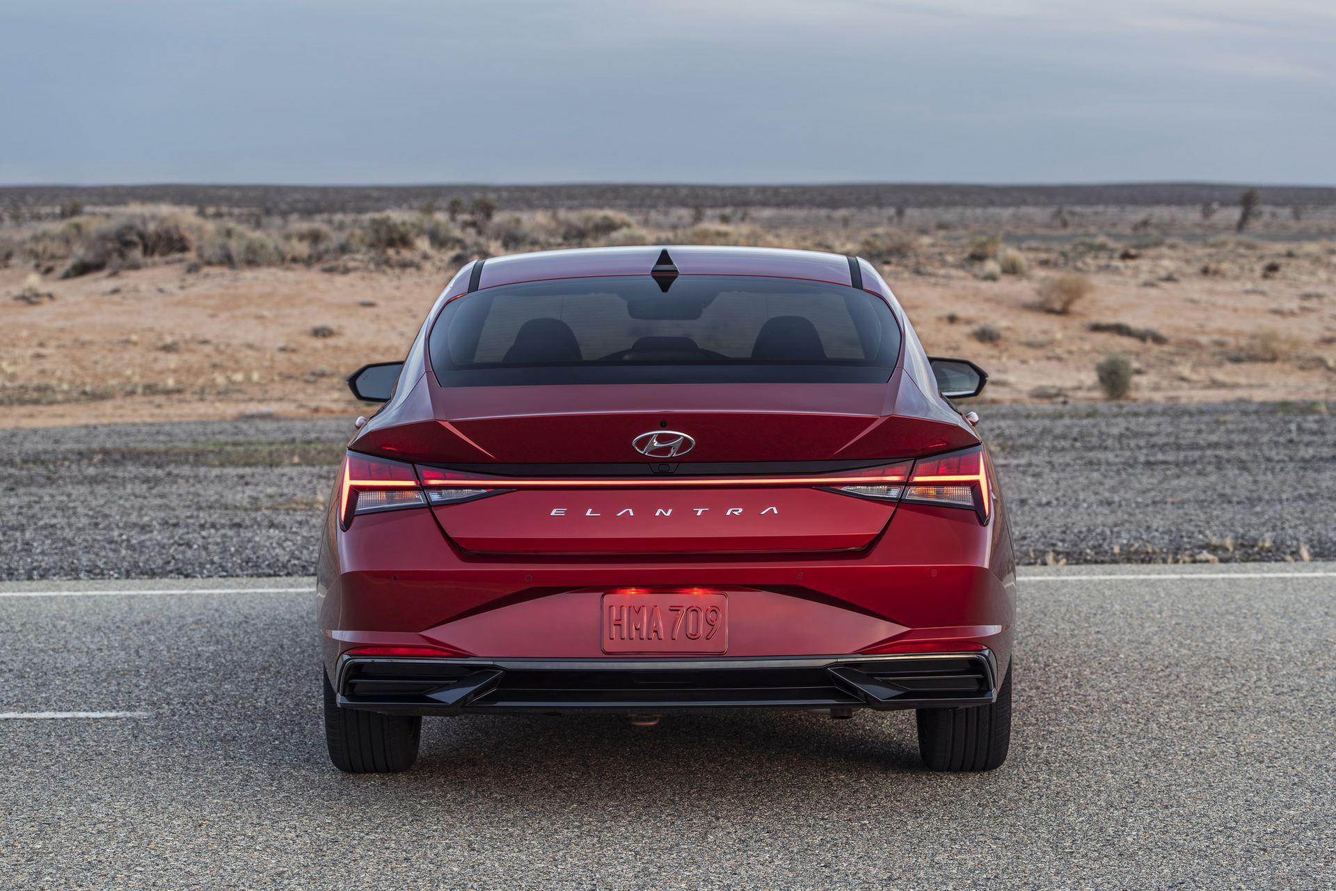 Hyundai-Elantra-2021-4
