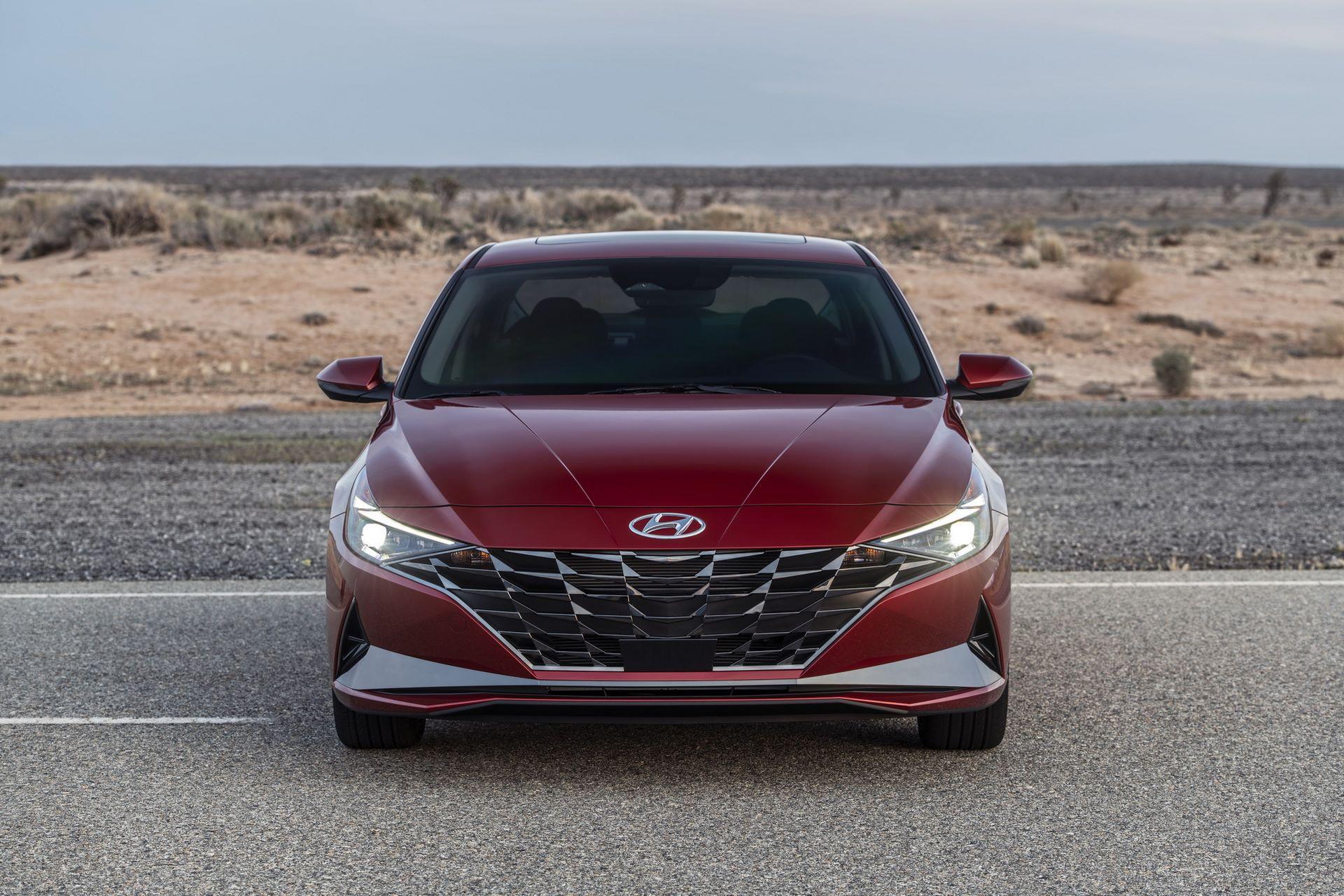 Hyundai-Elantra-2021-6