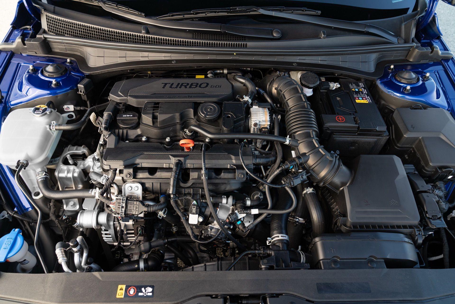 Hyundai-Elantra-N-Line-i30-Sedan-40