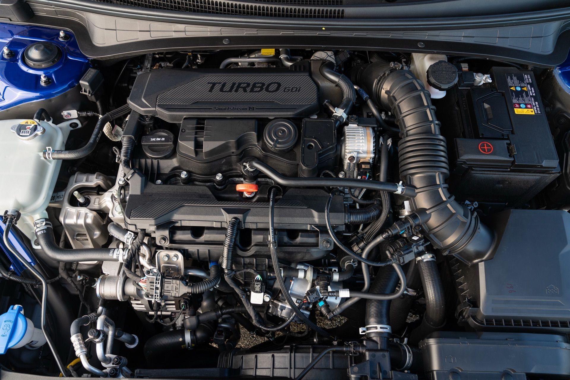 Hyundai-Elantra-N-Line-i30-Sedan-43