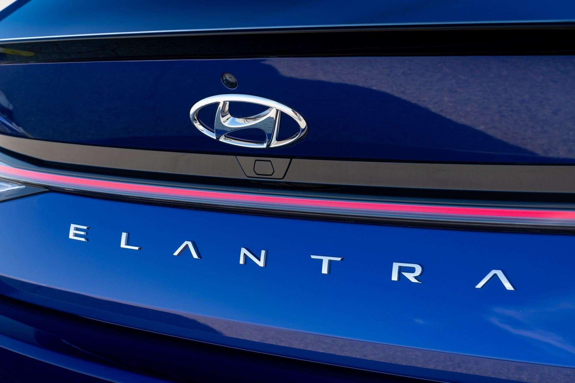 Hyundai-Elantra-N-Line-i30-Sedan-56