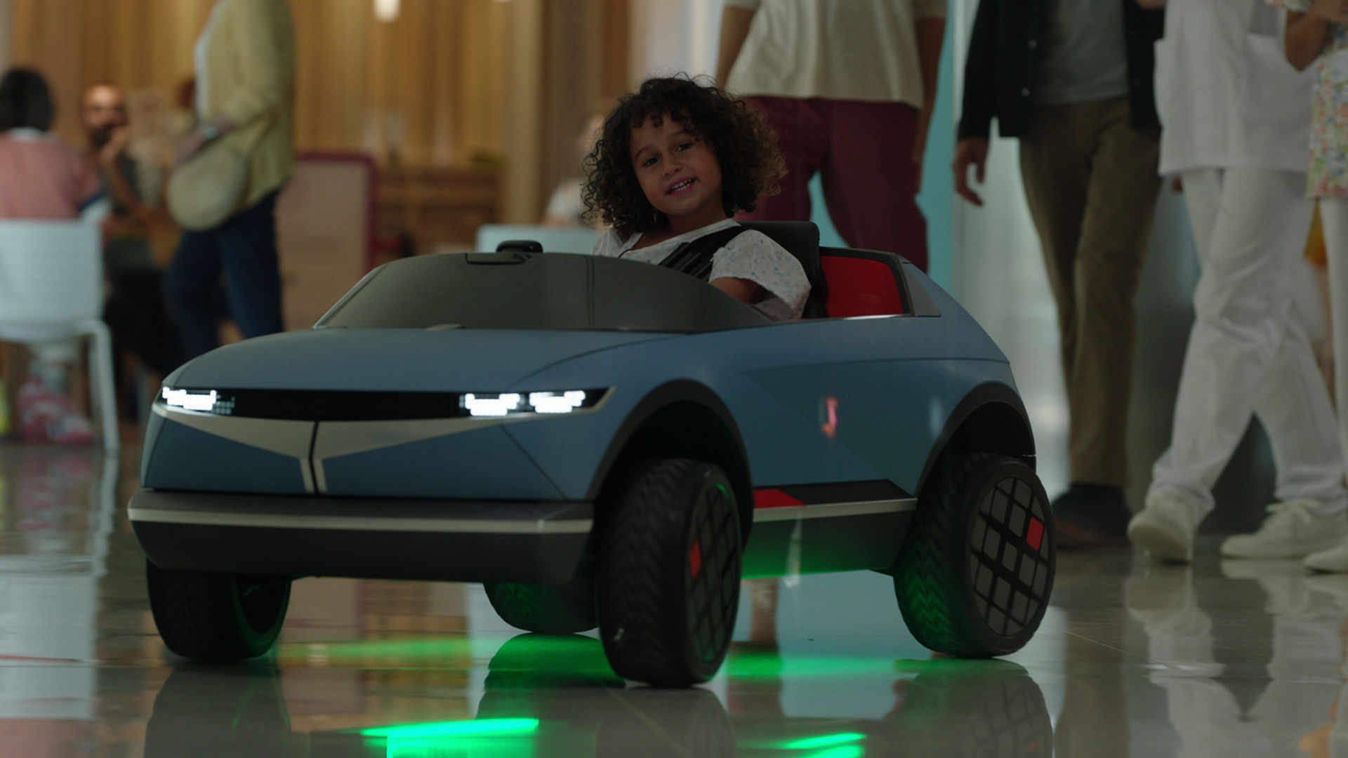 Hyundai-ev-45-kid-car-balcelona-hospital-5