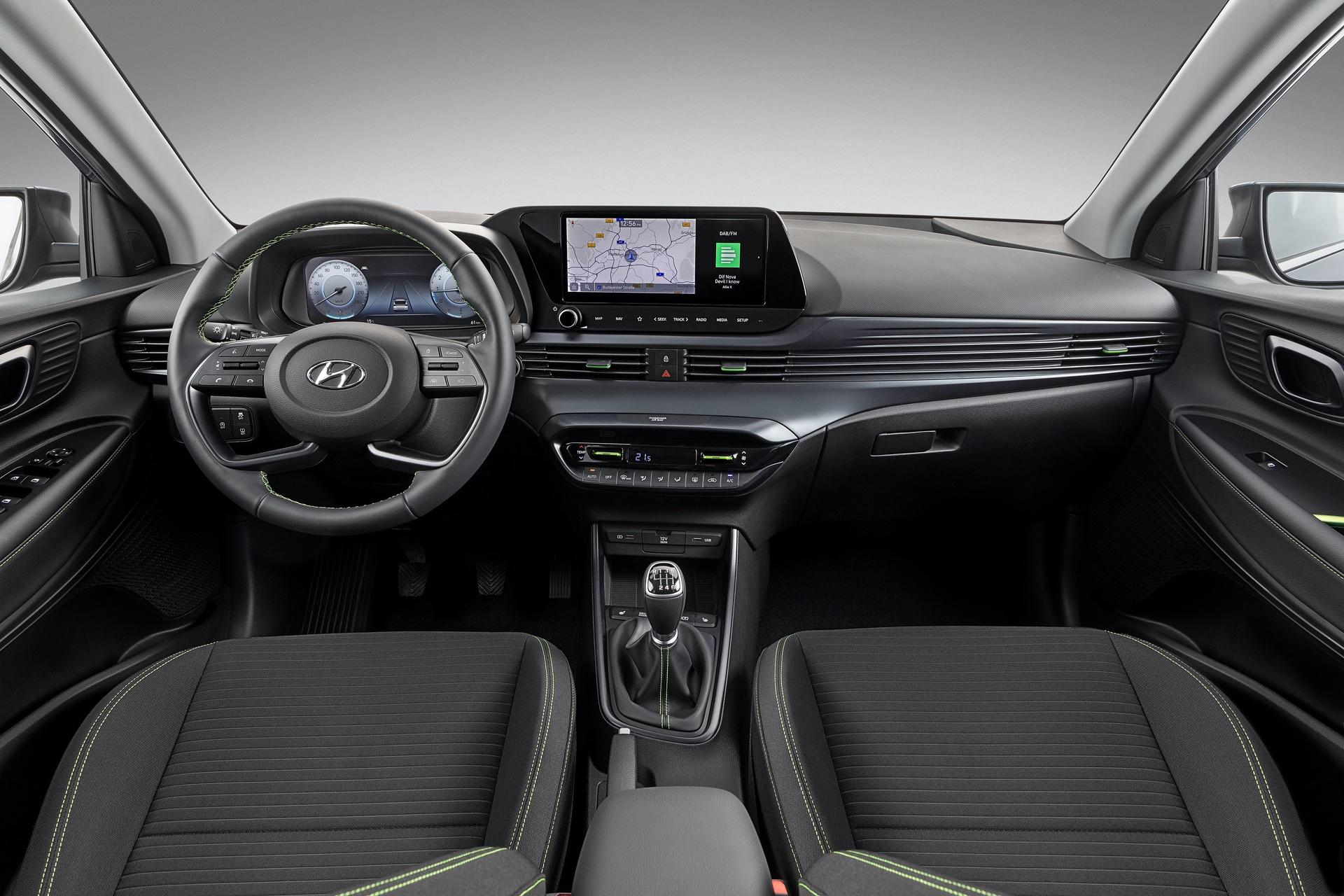 Hyundai_i20_interior_0002