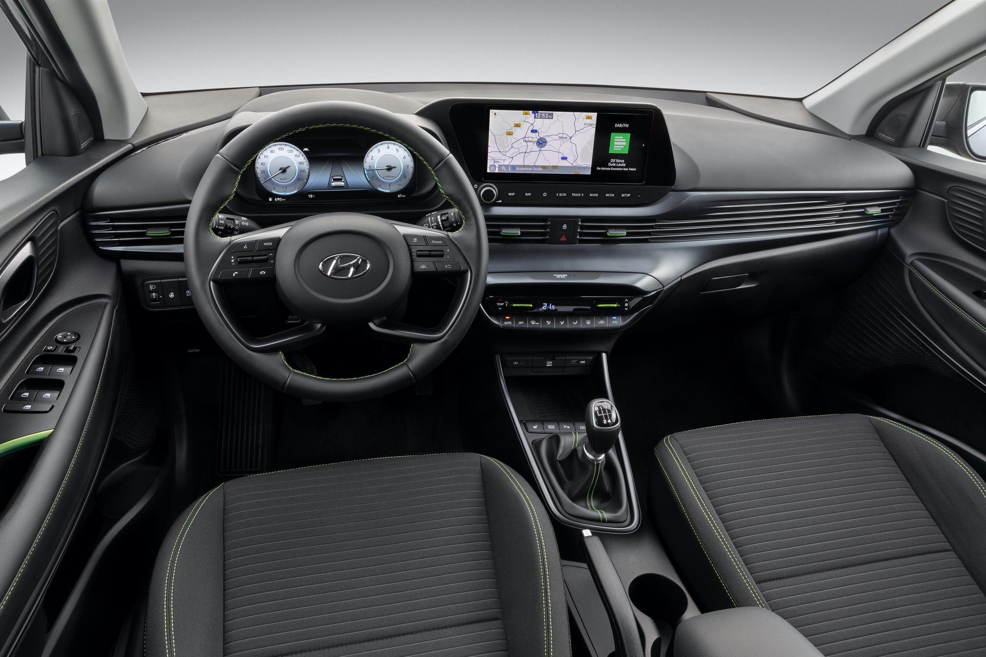 Hyundai_i20_interior_0003