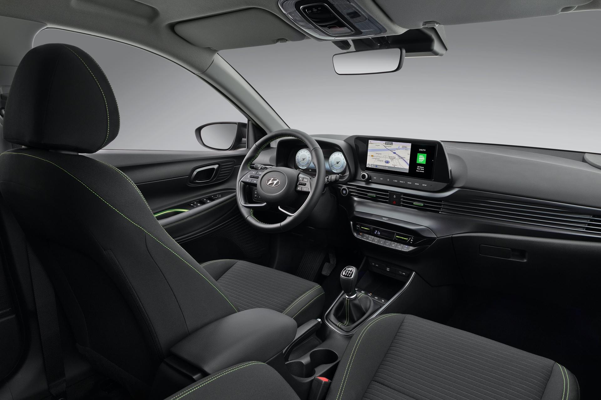 Hyundai_i20_interior_0004