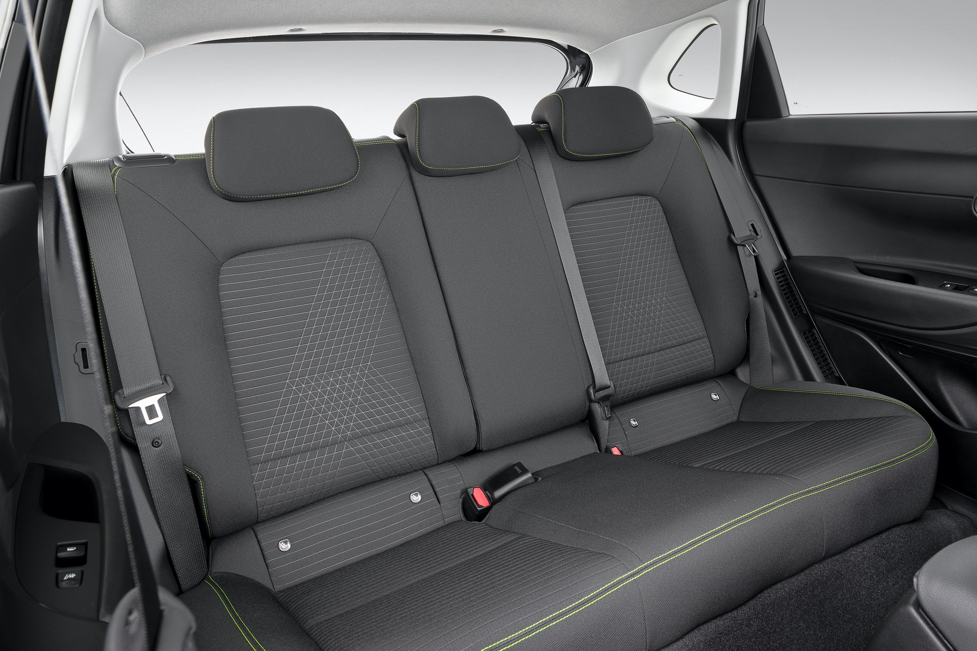 Hyundai_i20_interior_0006