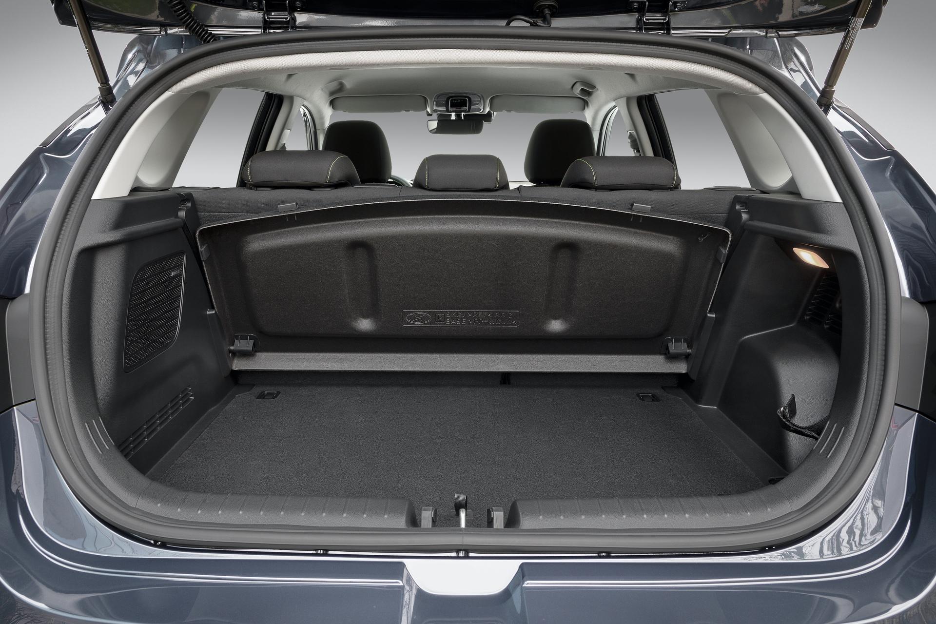 Hyundai_i20_interior_0008