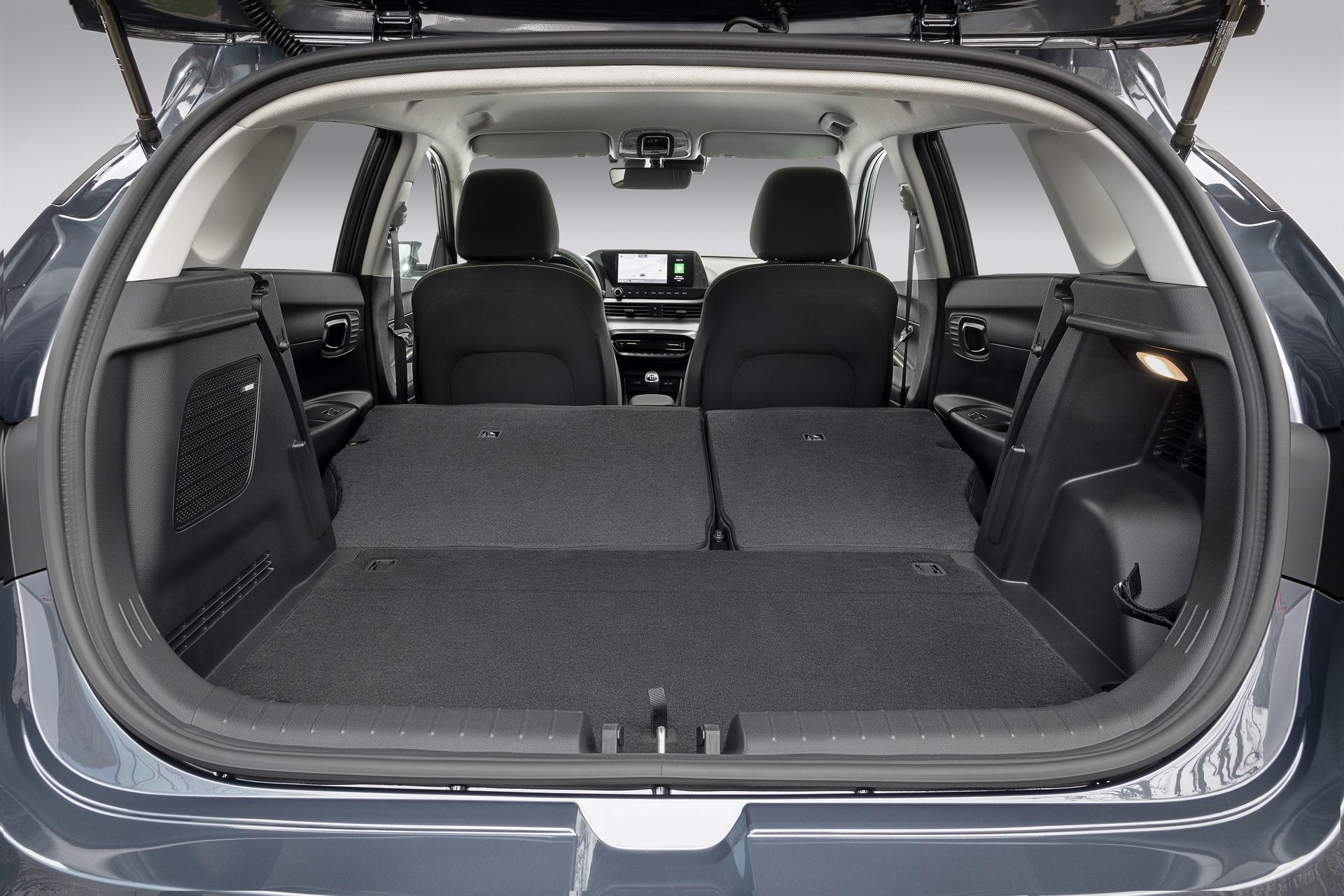 Hyundai_i20_interior_0009