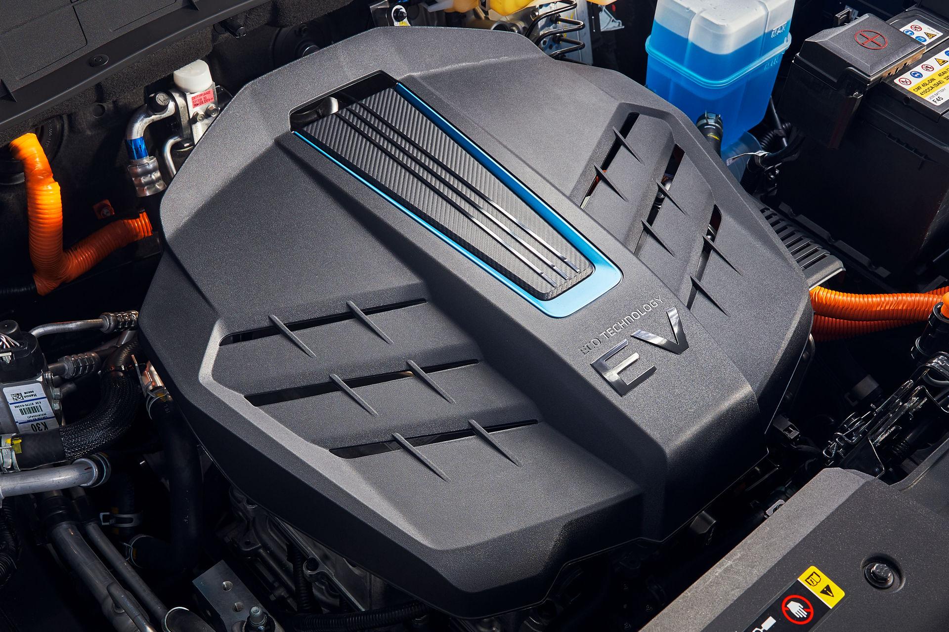 Hyundai-Kona-Electric-19
