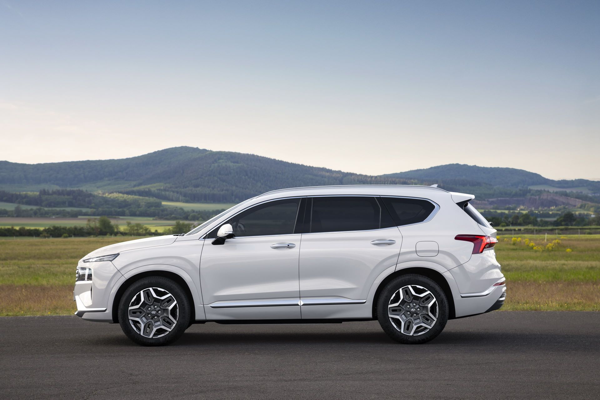 Hyundai-Santa-Fe-2020-16