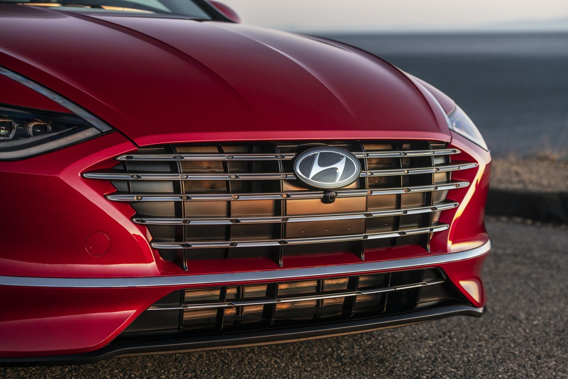 2020-Hyundai-Sonata-Hybrid-10