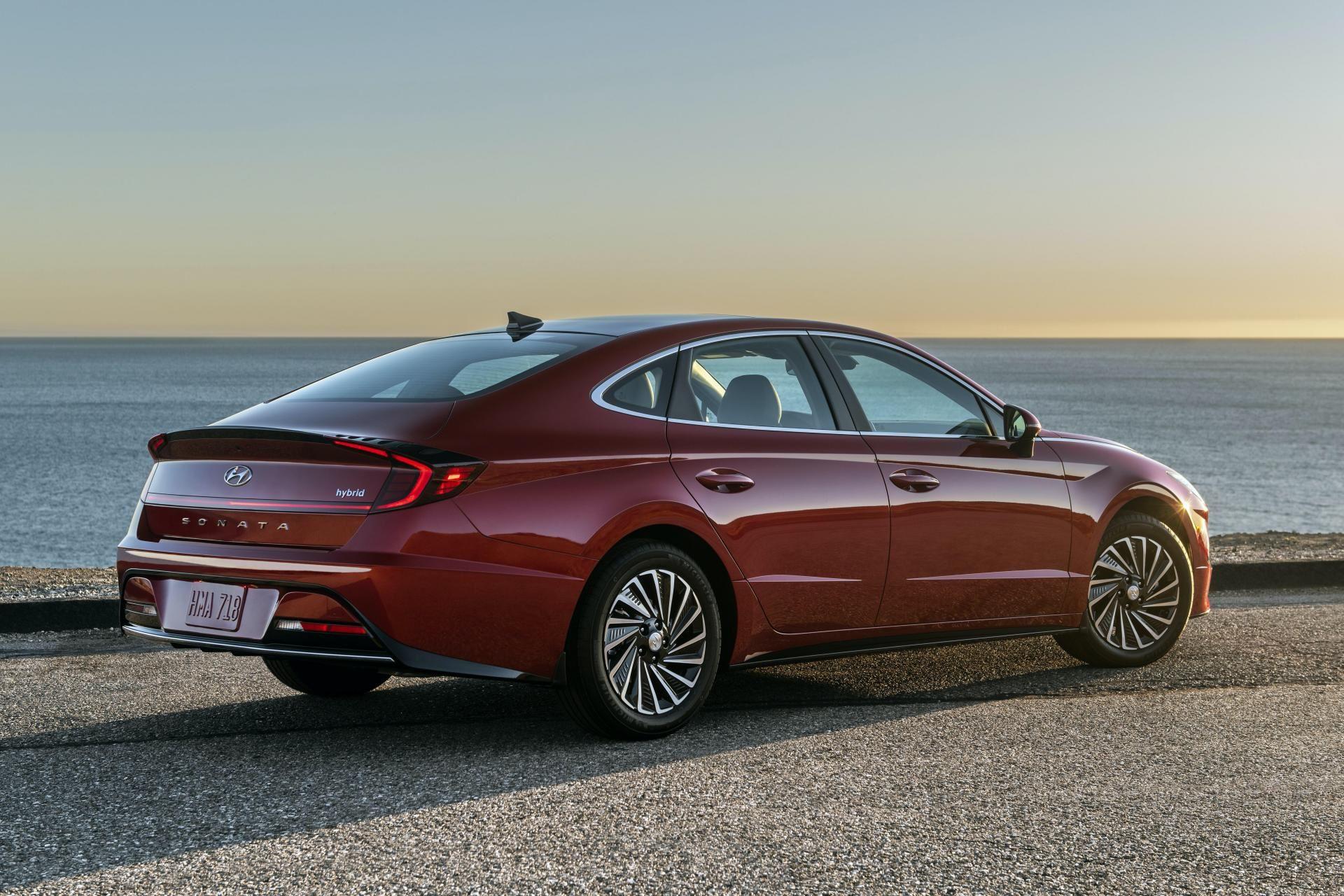 2020-Hyundai-Sonata-Hybrid-3