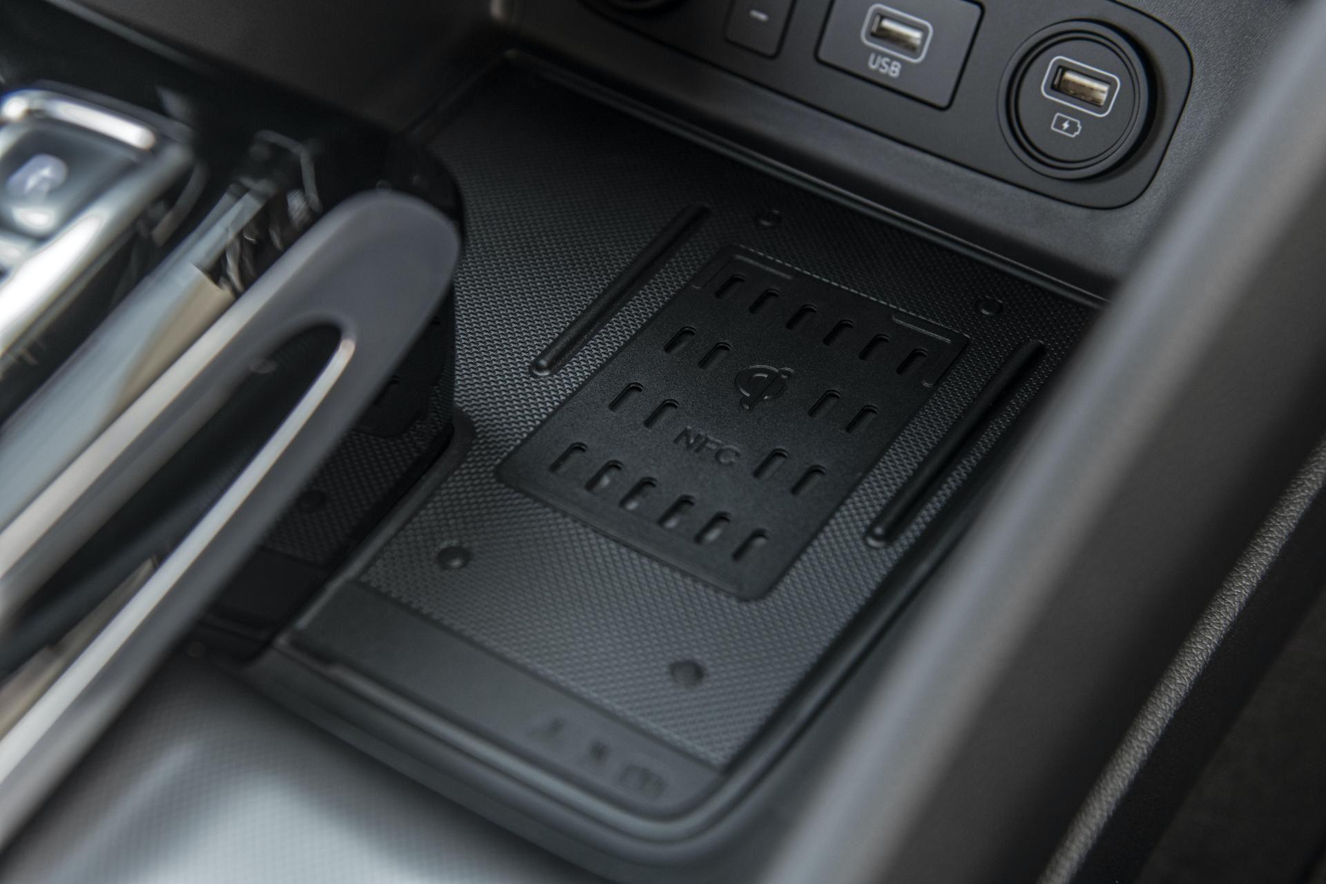 2020-Hyundai-Sonata-Hybrid-41