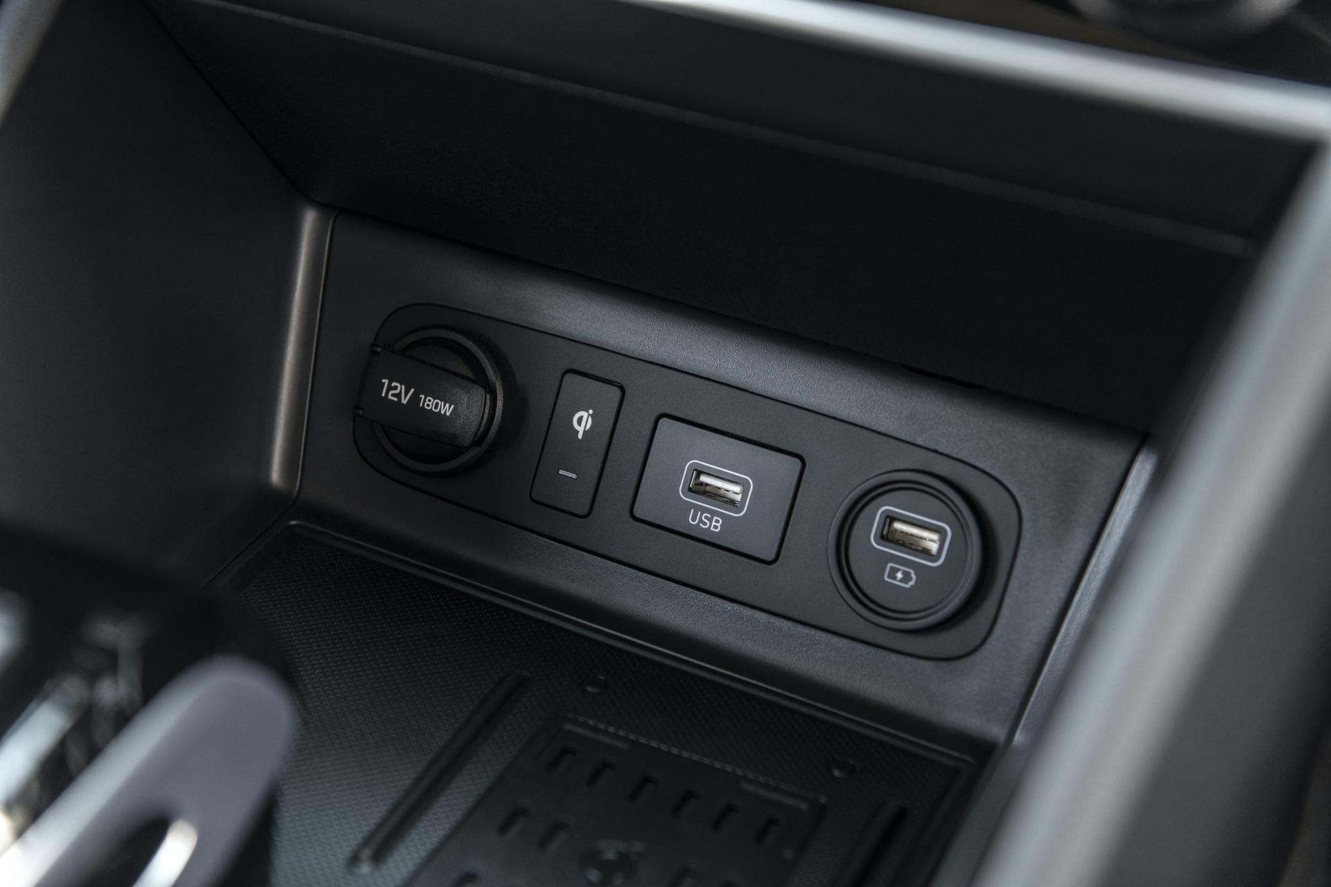 2020-Hyundai-Sonata-Hybrid-42