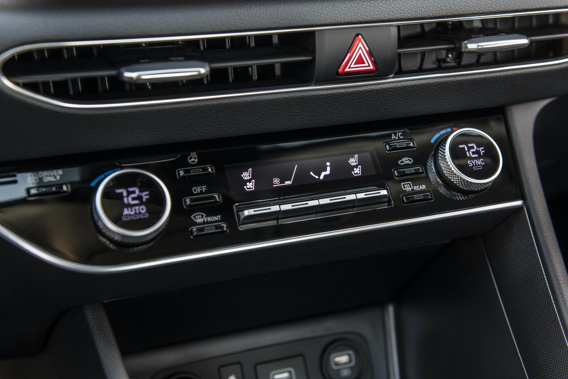 2020-Hyundai-Sonata-Hybrid-53