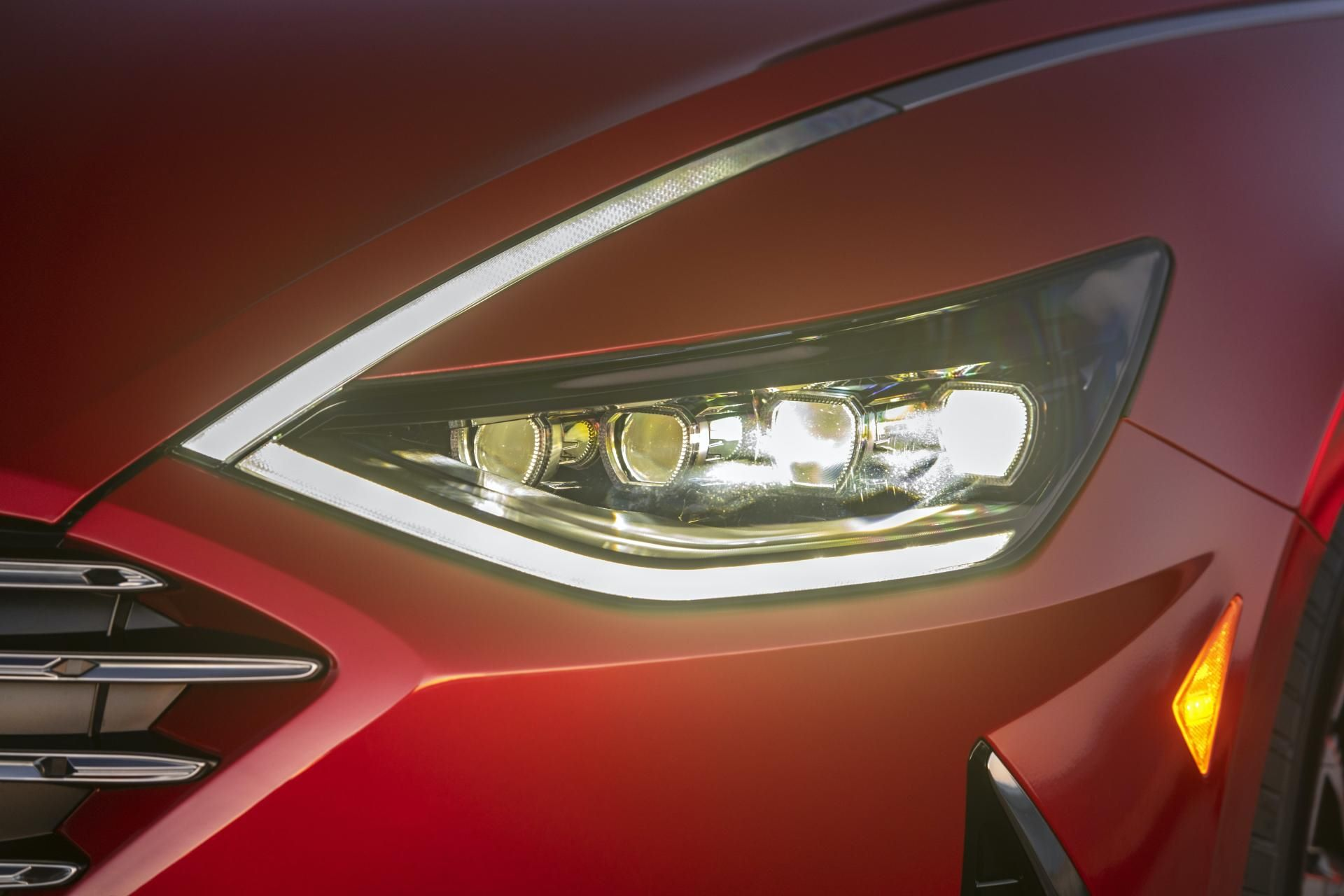 2020-Hyundai-Sonata-Hybrid-9