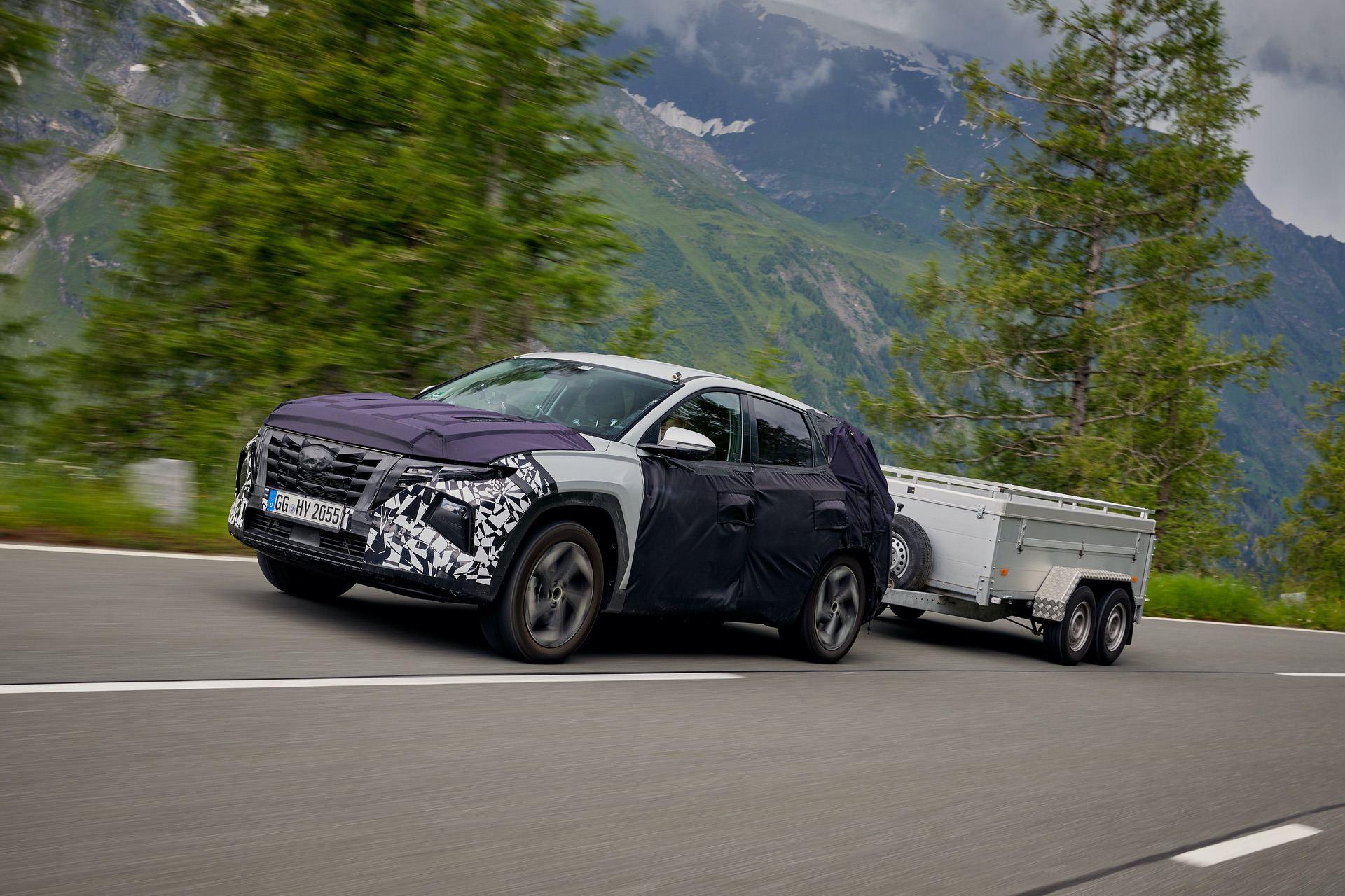 all-new-Hyundai-Tucson-trailer-testing-3