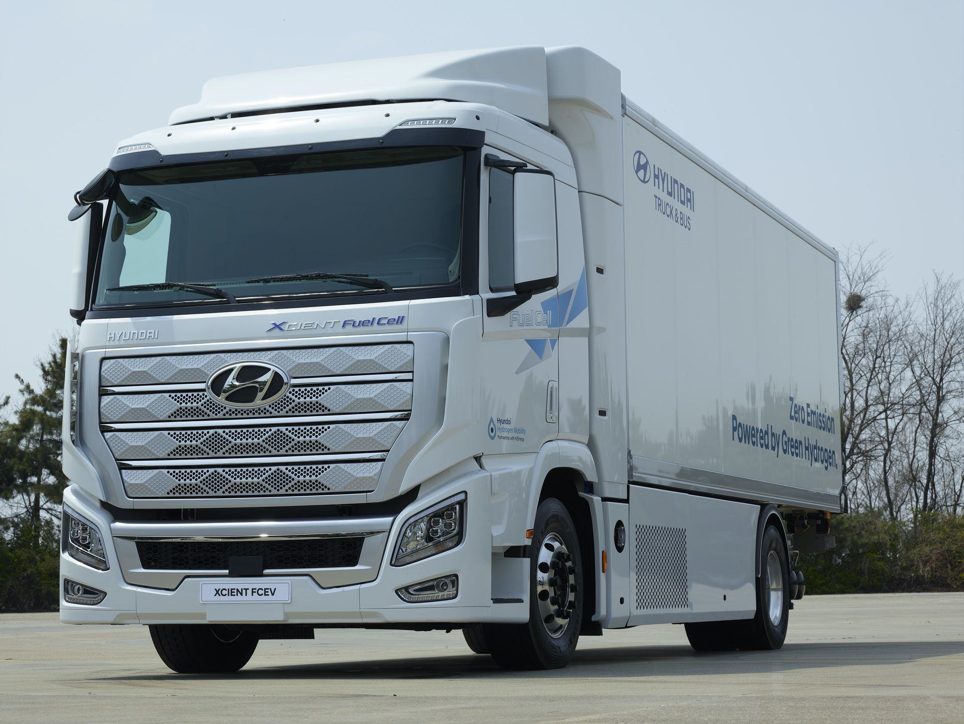 Hyundai_Xcient_Fuel_Cell_0010