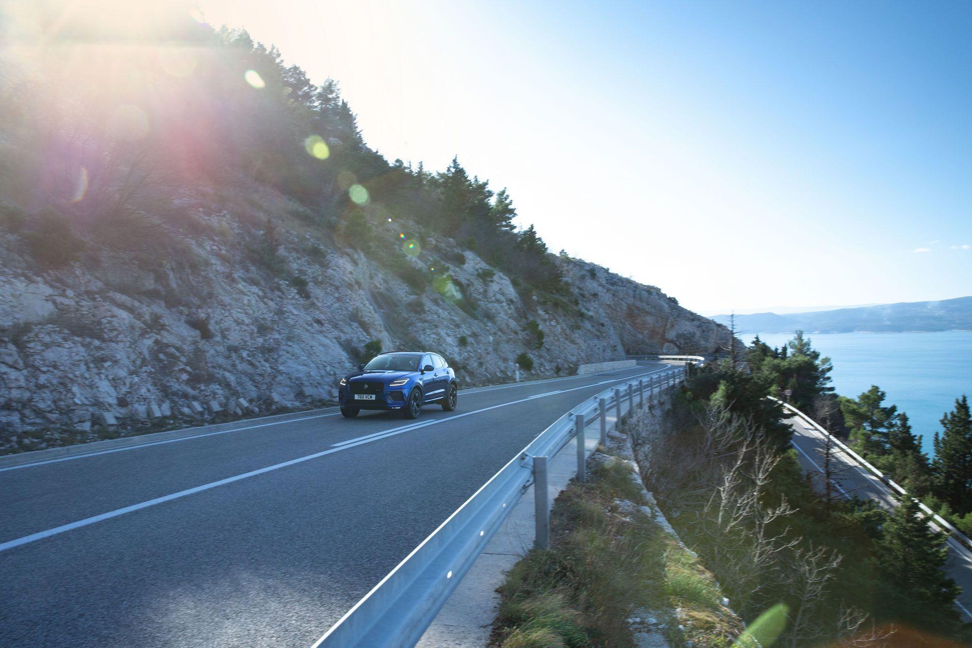 Jaguar-E-Pace-facelift-2021-24