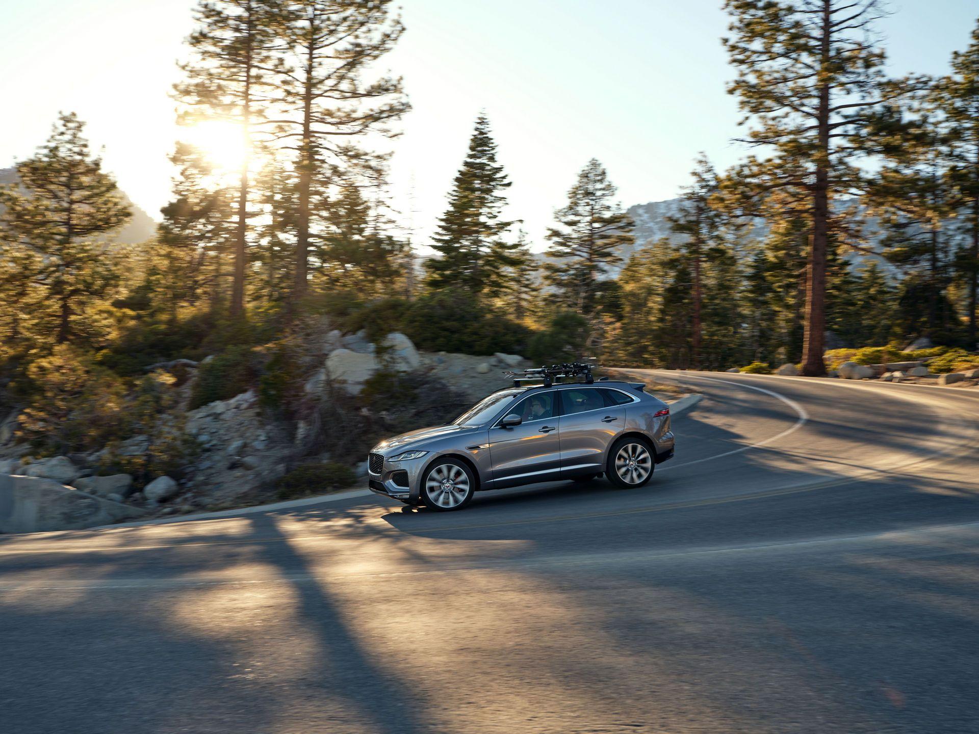 Jaguar-F-Pace-2021-106