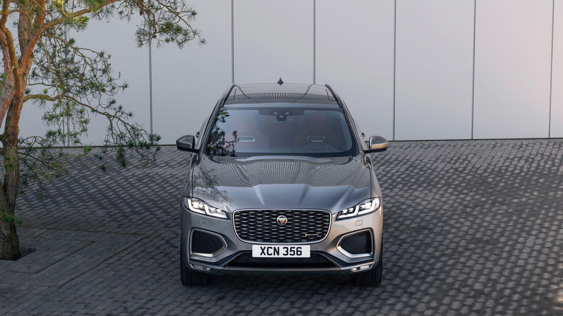 Jaguar-F-Pace-2021-11