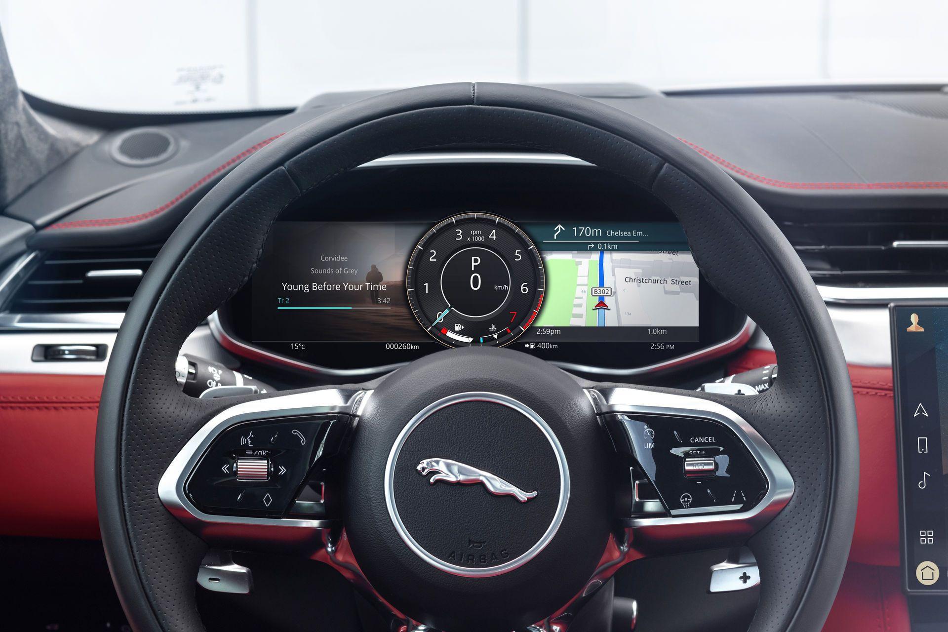 Jaguar-F-Pace-2021-112