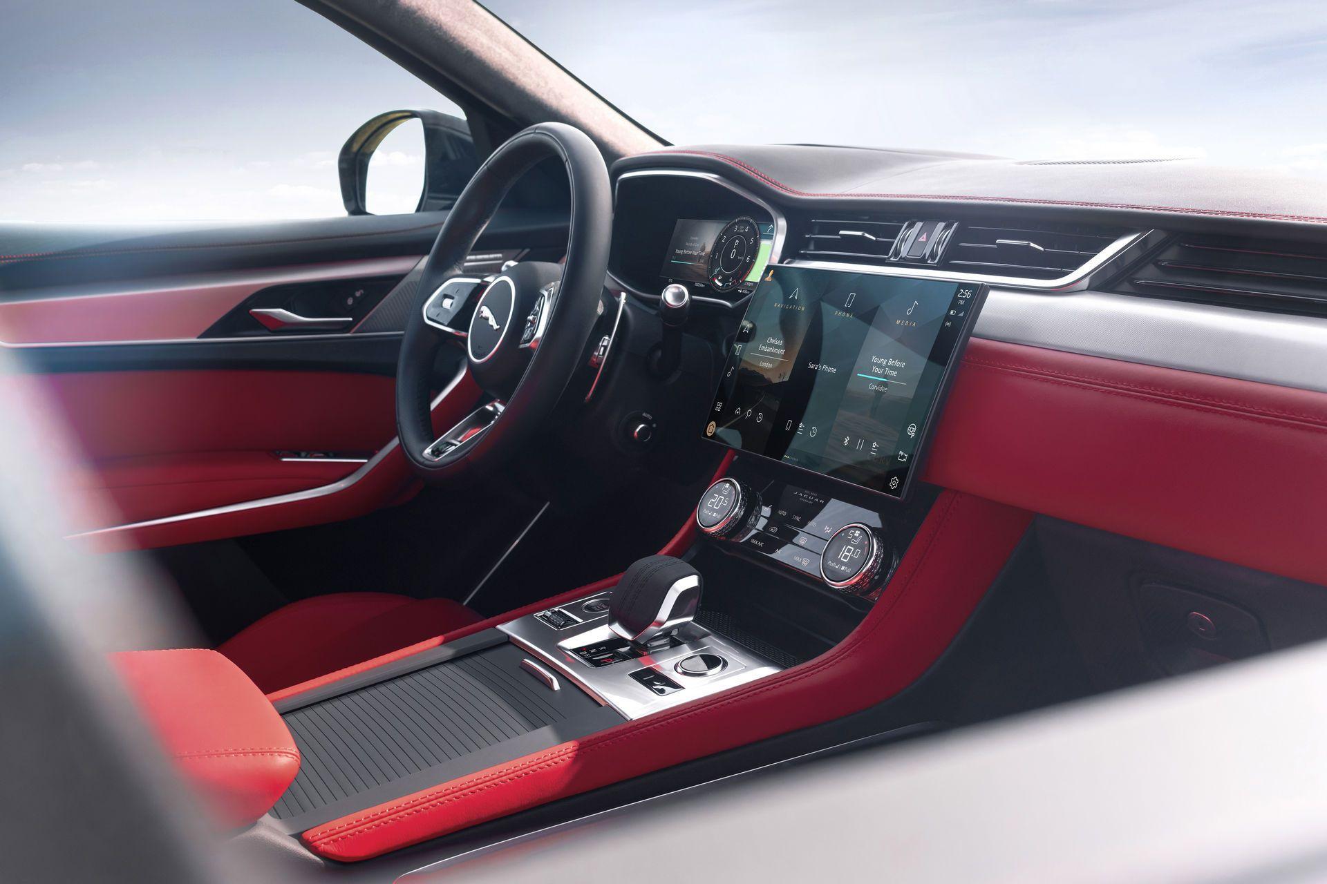 Jaguar-F-Pace-2021-119