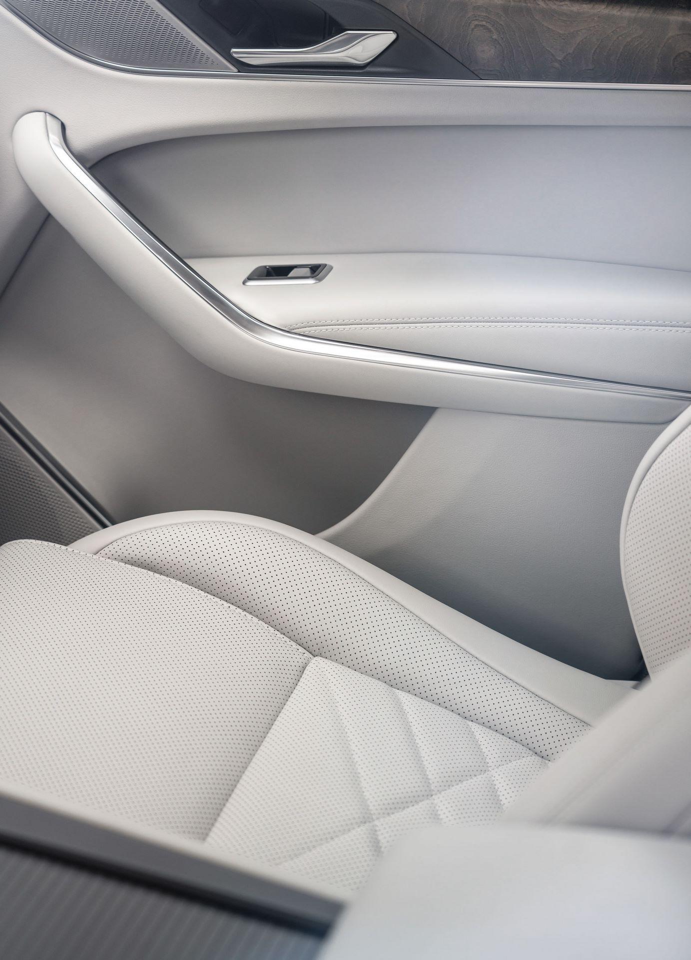 Jaguar-F-Pace-2021-131
